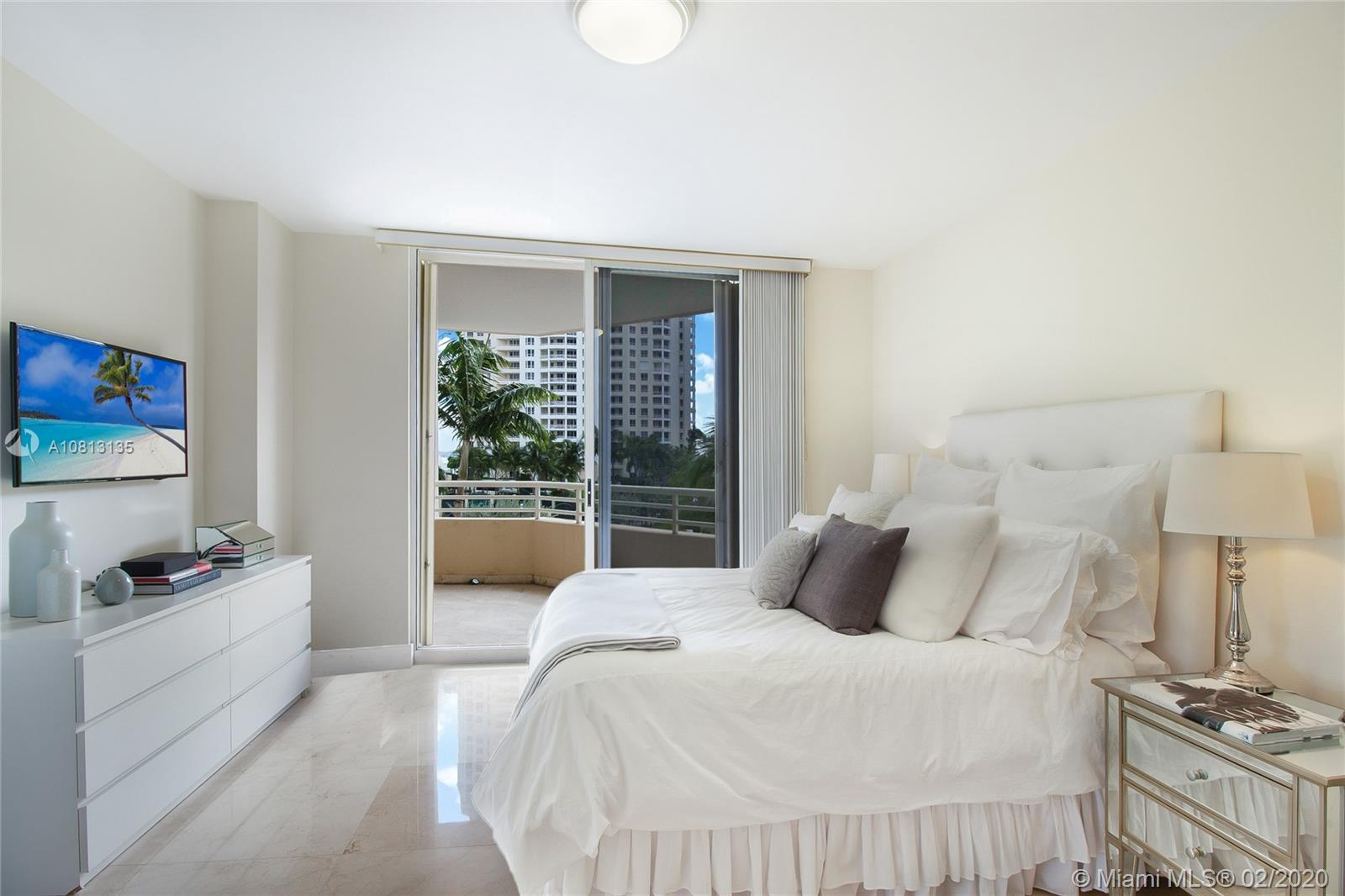 888  Brickell Key Dr #709 For Sale A10813135, FL