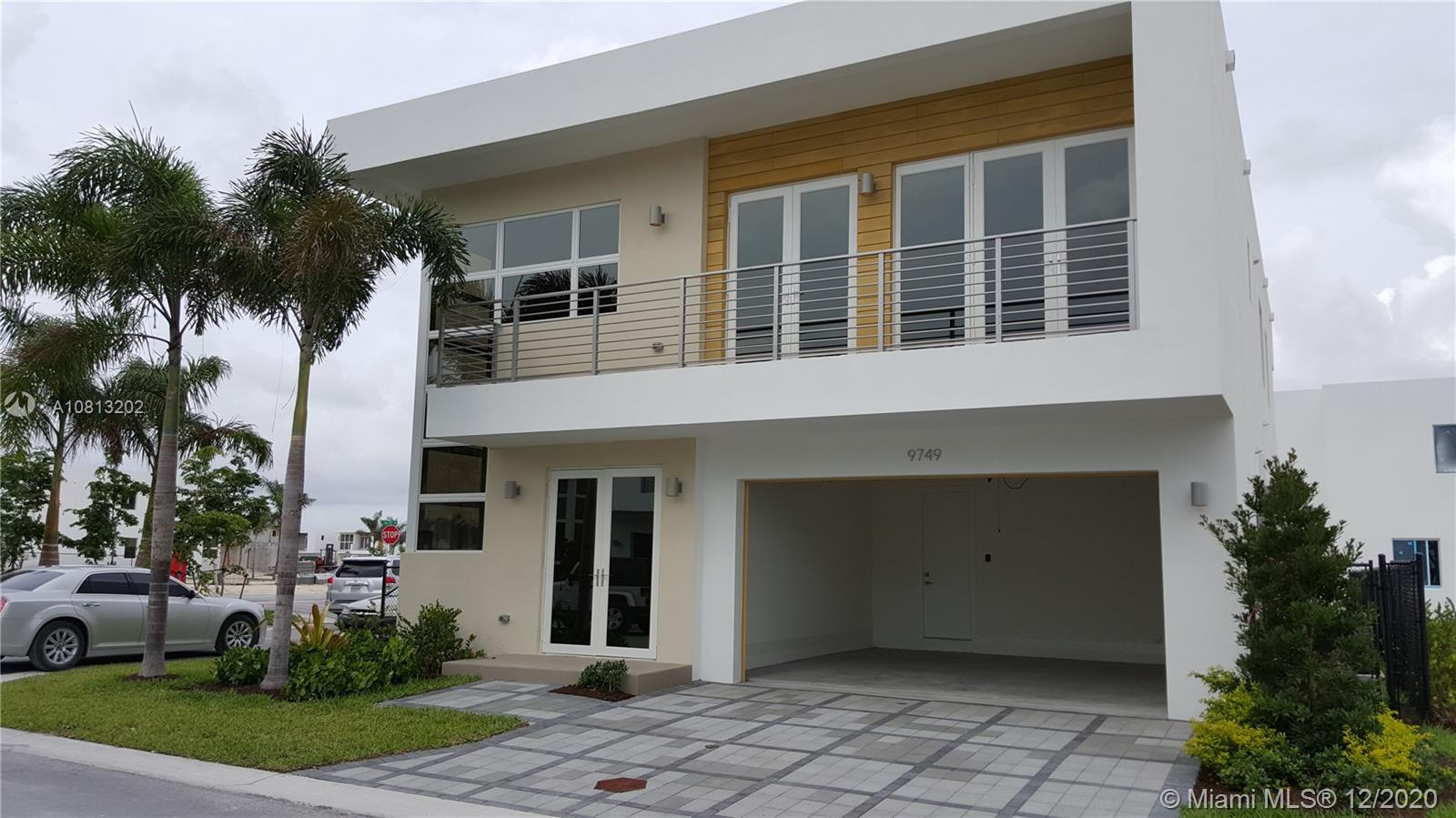 9749 NW 74th Ter  For Sale A10813202, FL