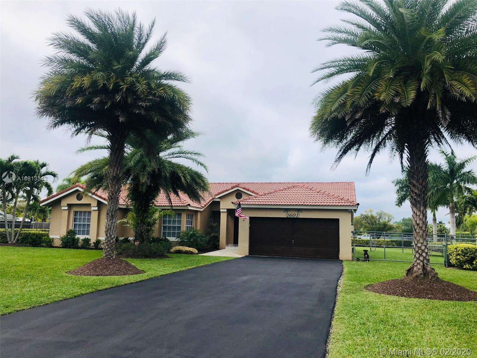 1601 NW 17th St  For Sale A10813343, FL