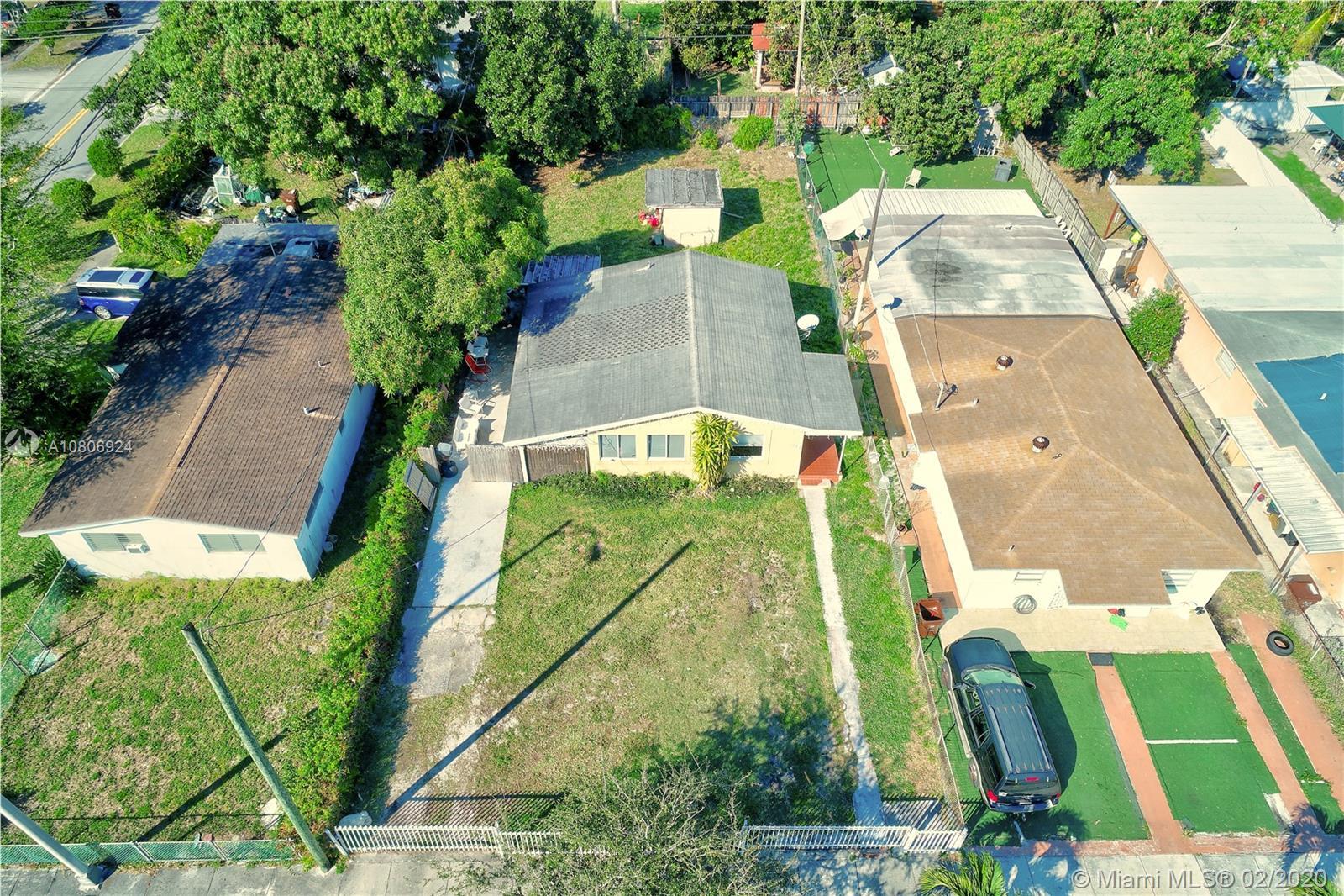 617 E 45th St  For Sale A10806924, FL
