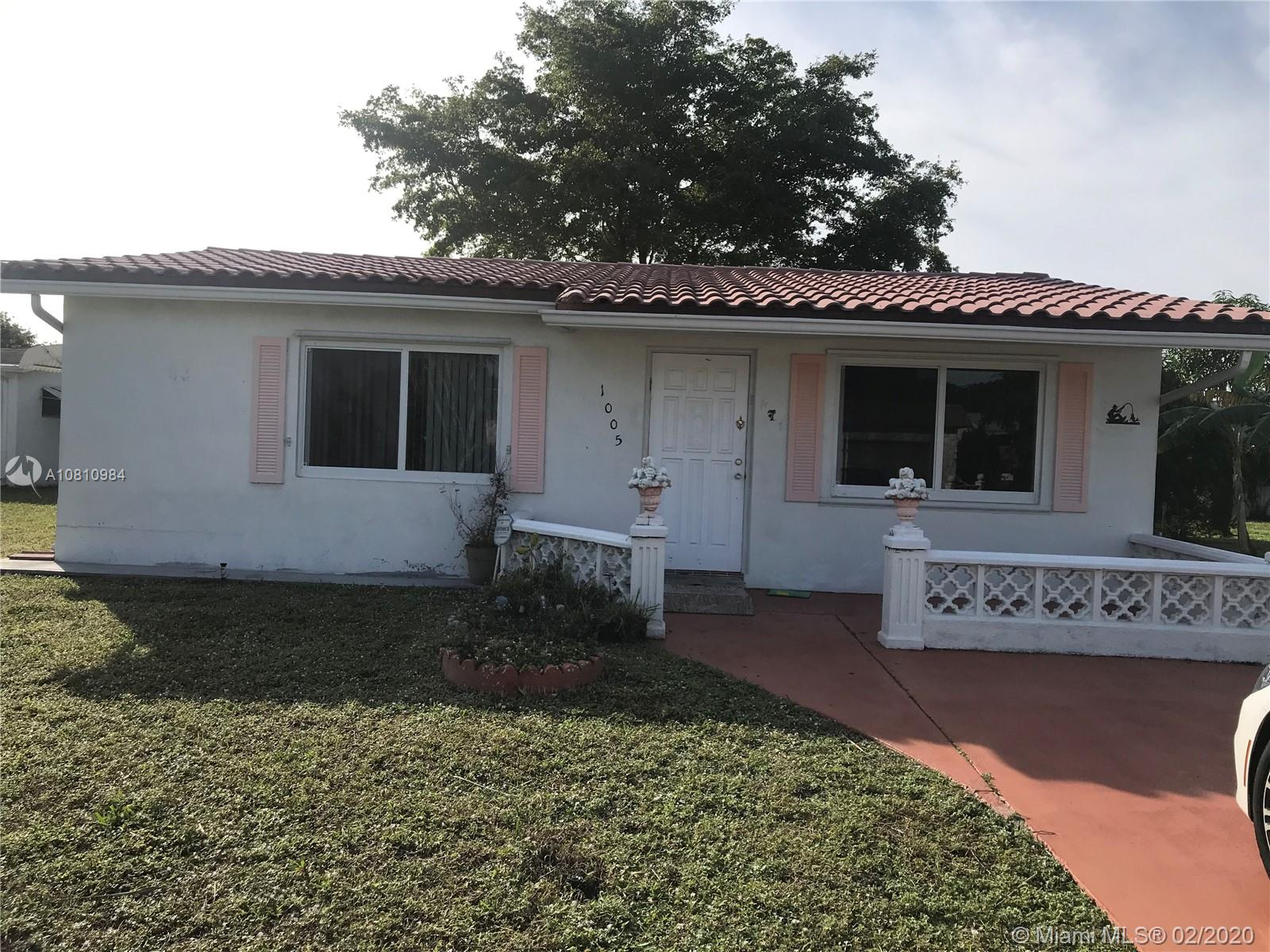 1005 NW 73rd Ave  For Sale A10810984, FL