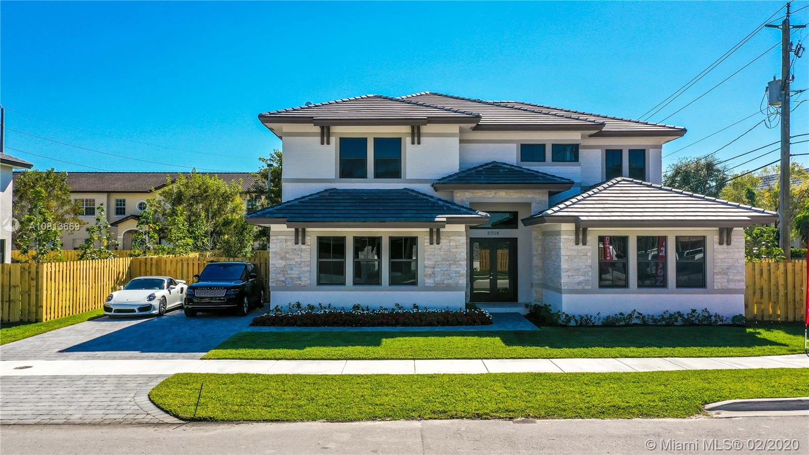 8908 SW 69th TER  For Sale A10813669, FL