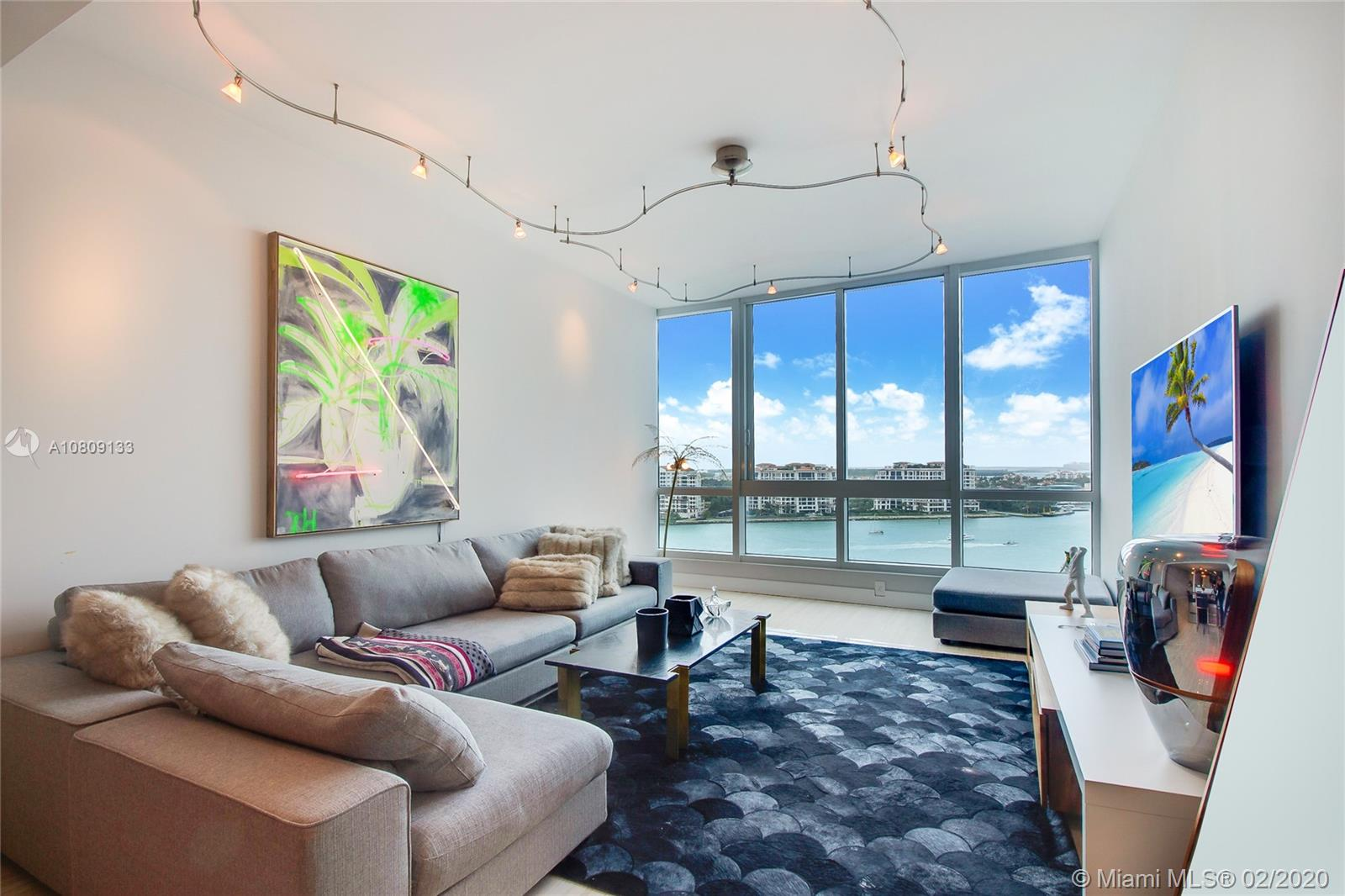 100 S Pointe Dr #1403 For Sale A10809133, FL