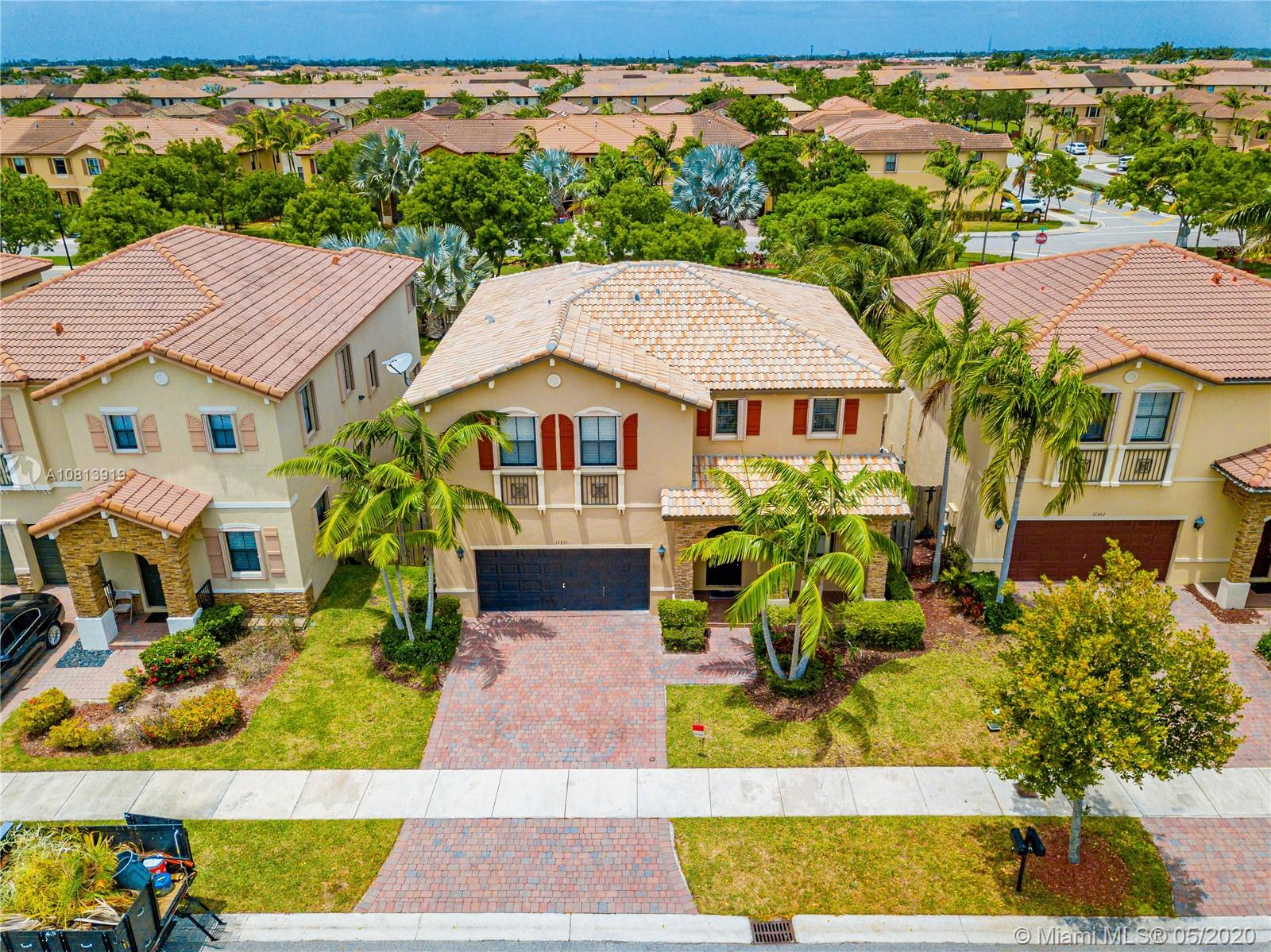 11311 SW 240th Ln  For Sale A10813919, FL