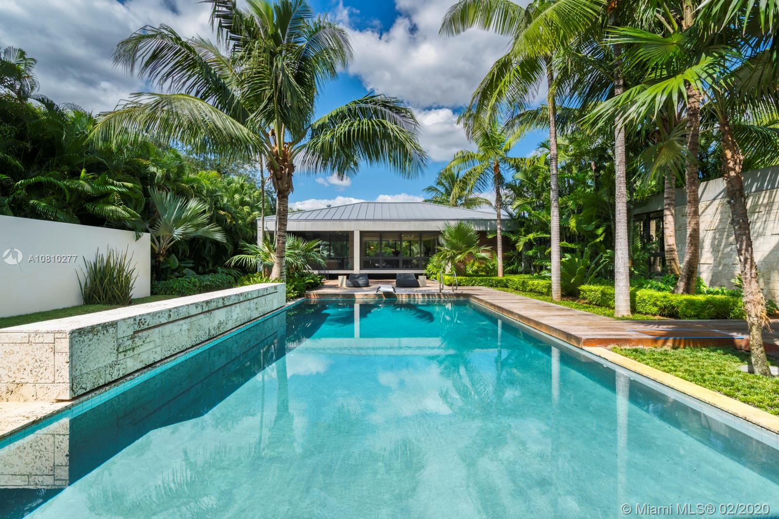 8250 SW 53rd Ave  For Sale A10810277, FL