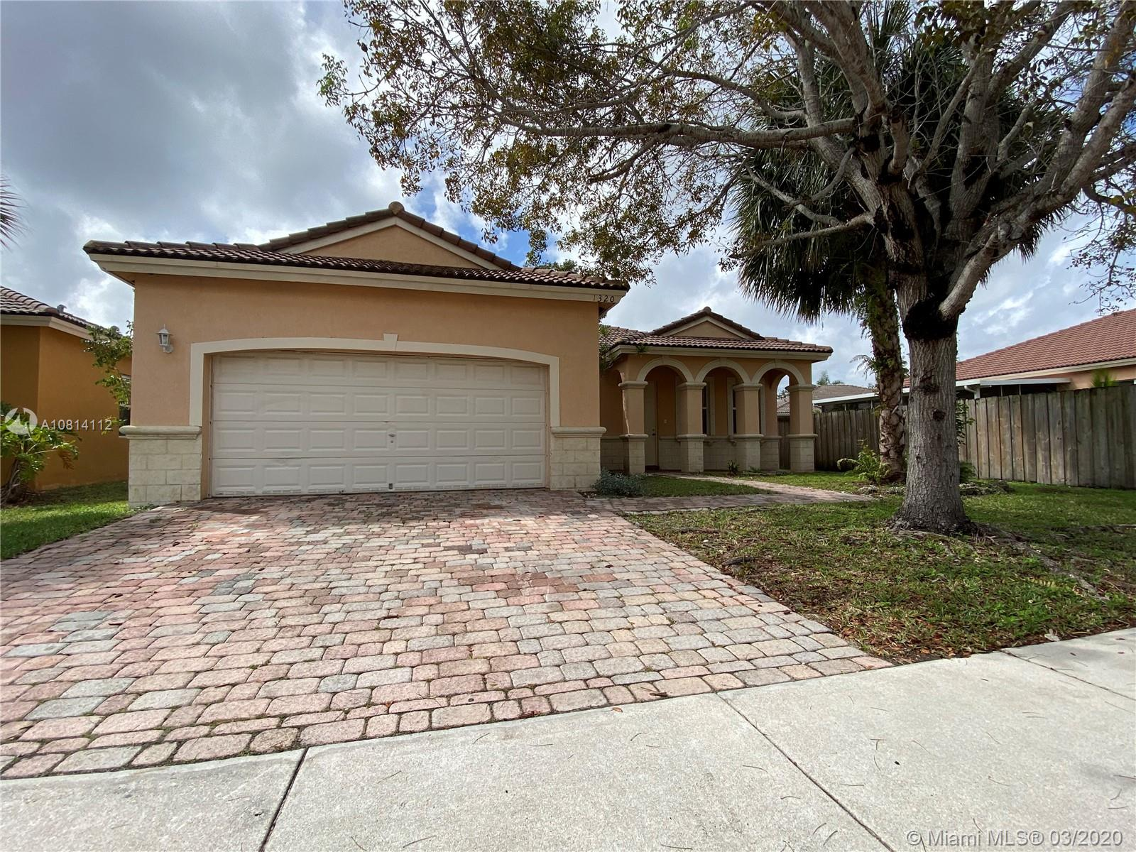 1320 SE 17th Ave  For Sale A10814112, FL