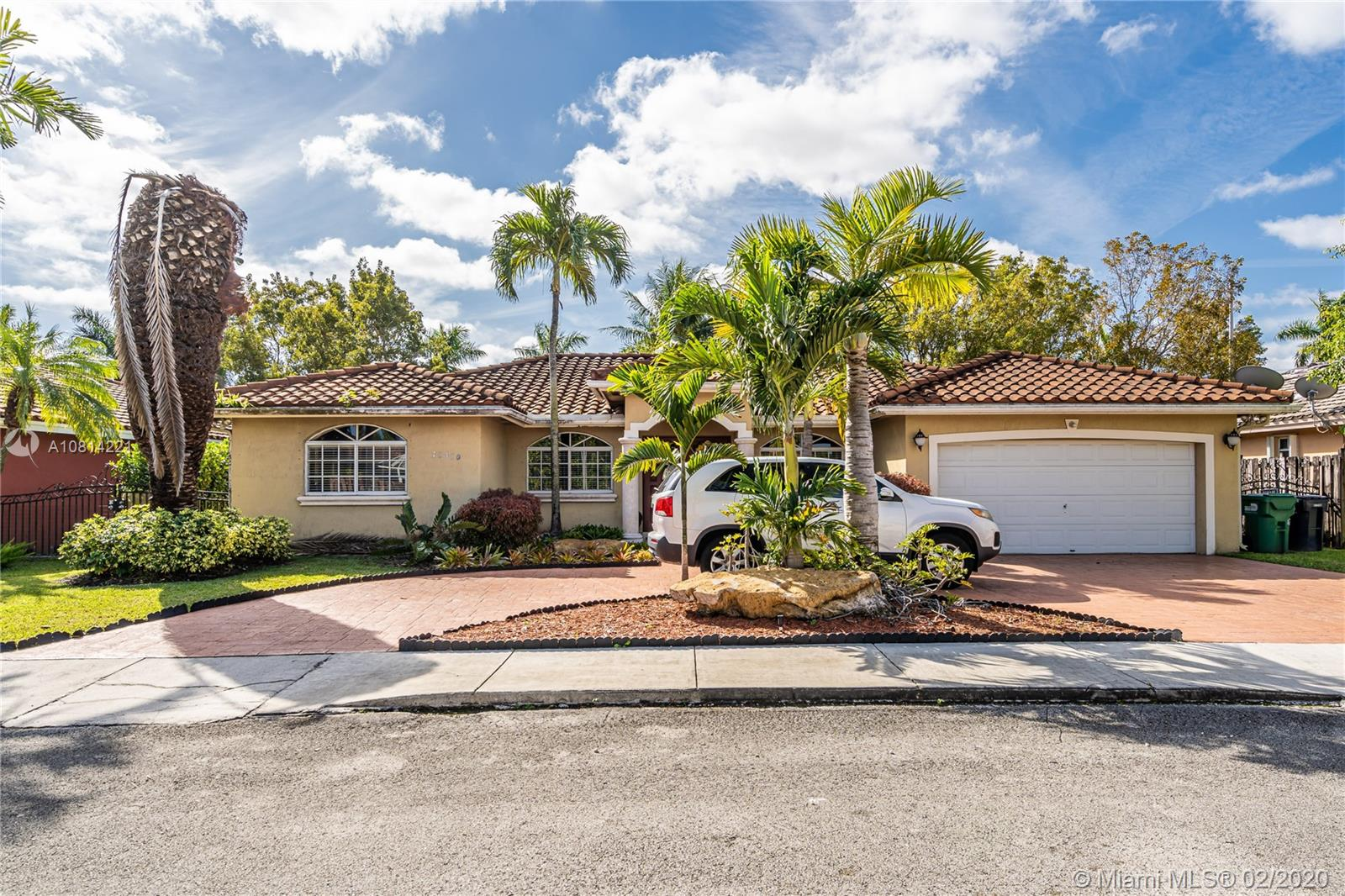 12310 SW 25th Ln  For Sale A10814221, FL
