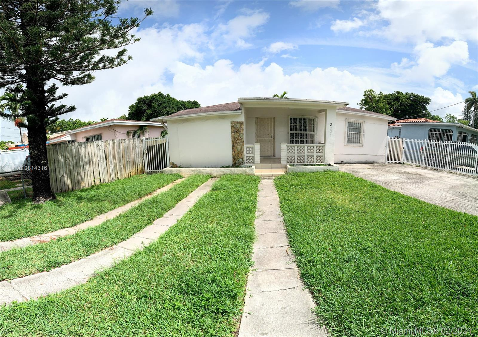 2001 NW 33rd St #2 For Sale A10814316, FL