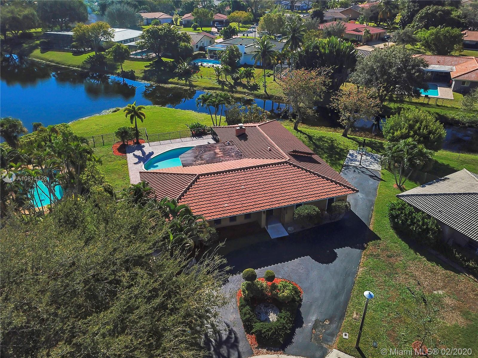 2715 NW 86th Way, Coral Springs, FL 33065