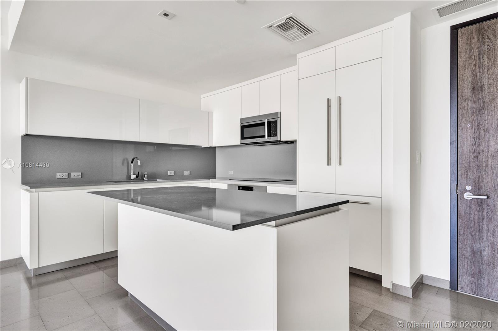 88 SW 7th St #3309 For Sale A10814430, FL