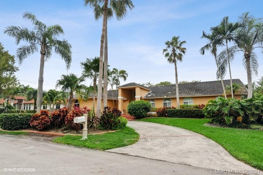 8220 SW 180th St  For Sale A10812963, FL