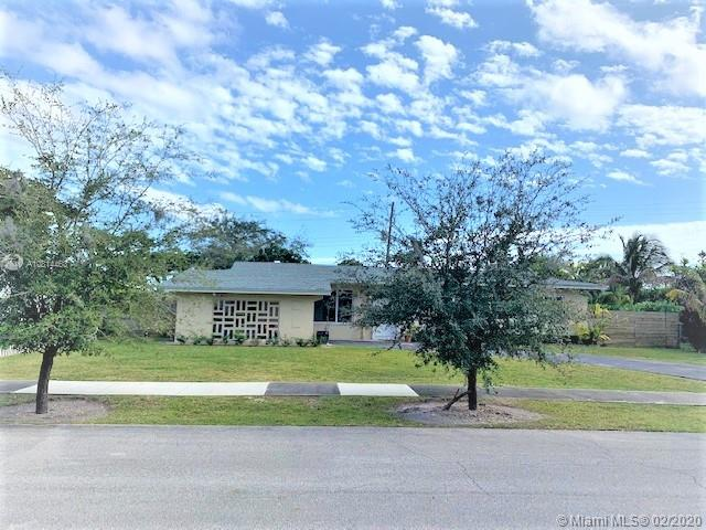 8571 SW 98th Ave  For Sale A10814463, FL