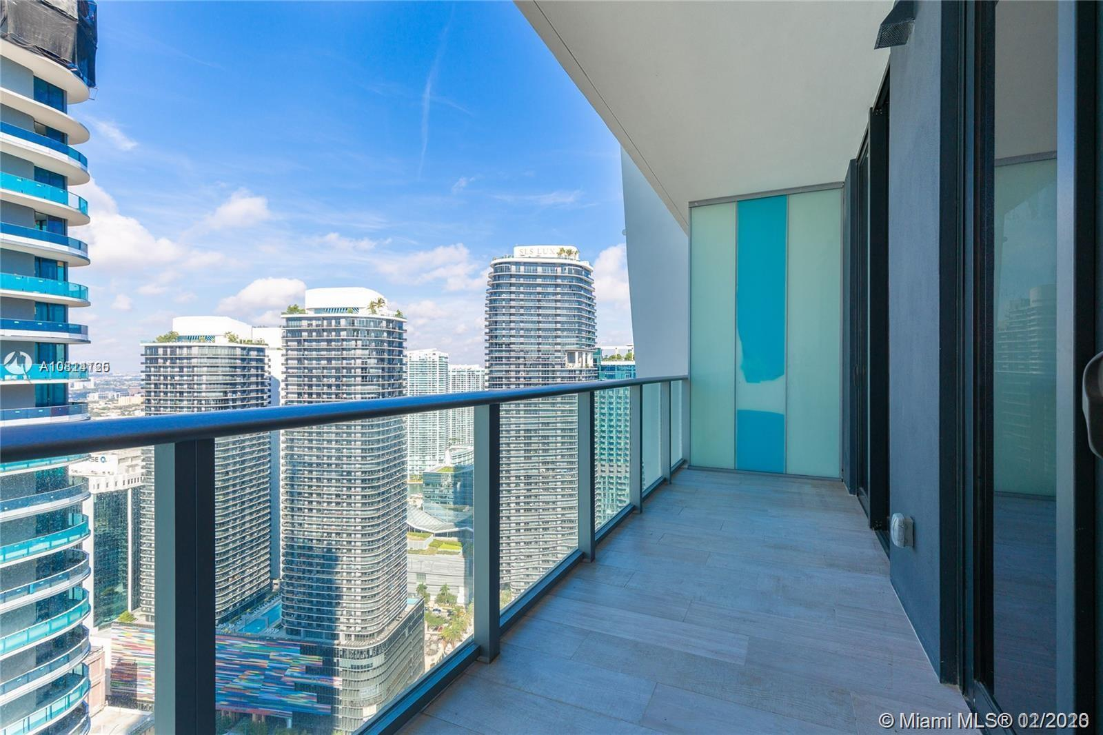 "Amazing 1 Bedroom 1.5 Bathrooms unit located at 1010 Brickell, an iconic 50-story tower with glass façade and curvilinear profile. Unit feature open-concept floor plan for entertaining and efficiency, expansive private balcony with glass railings, fantastic views of West of the city, 9-foot ceiling heights and floor-to-ceiling windows. European kitchen cabinetry, top of the line Smeg appliances and under-cabinet lighting for maximum visibility and intimate evening ambiance. Unparalleled amenities attractive to adults and children alike, which include: state-of-the-art gym, basketball court, two story private club, indoor pool, pool on the top floor of the building ""50th floor"", kids and teenagers room, spa facility and treatment room and sauna"