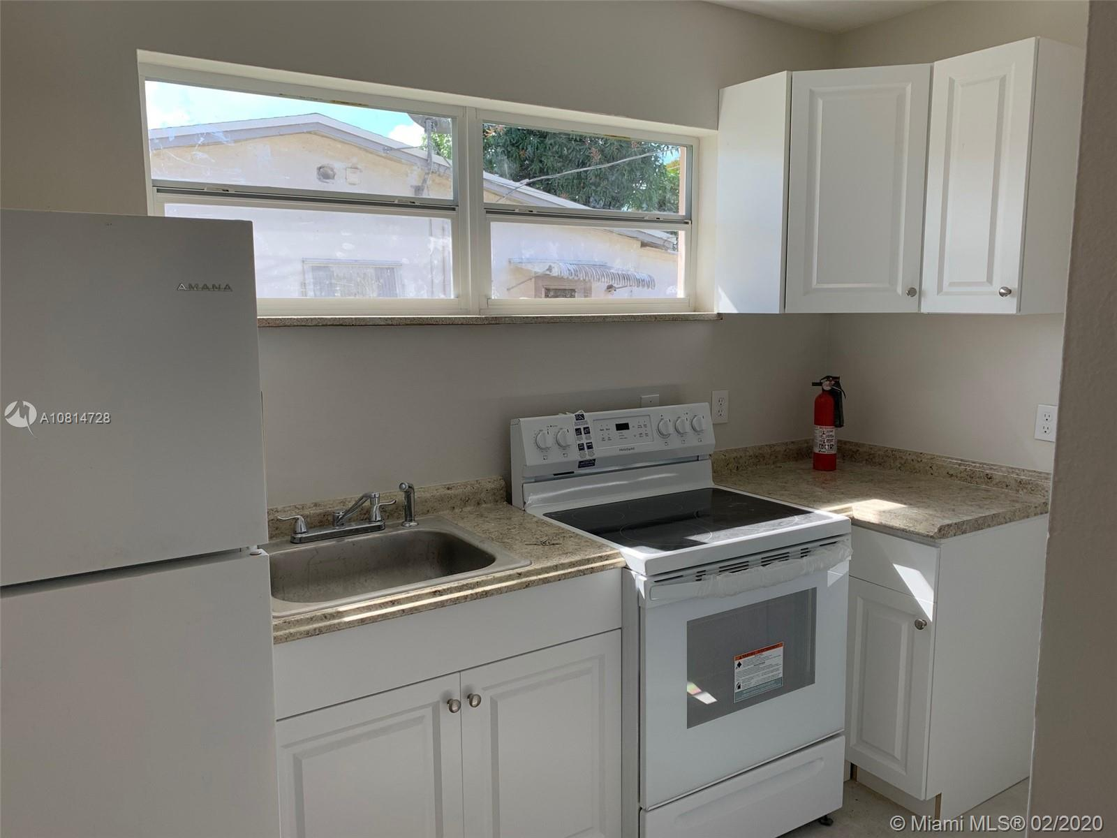 1850 N 27th Ave #B For Sale A10814728, FL