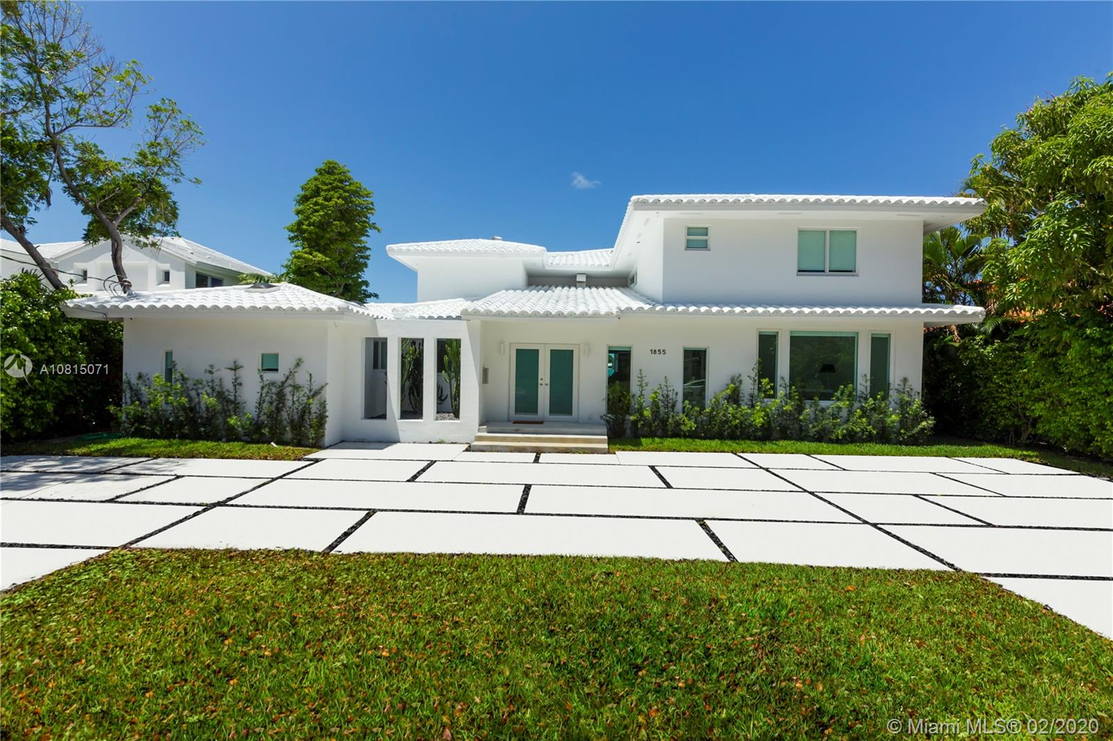 Finally available on the market ! On today most demanded island, Biscayne Point Miami-Beach, the only 2 story house with a complete open bay view. This 6 bedrooms 6 bathrooms home contains 5,000 sft on a 11,250 sft lot with 75 ft frontage + dock. Totally remodeled this bright home offers a perfect layout with open spaces, high end materials, and all the smart and entertainment functions. The lucky future Buyer will have one of the best piece of Biscayne point Island .