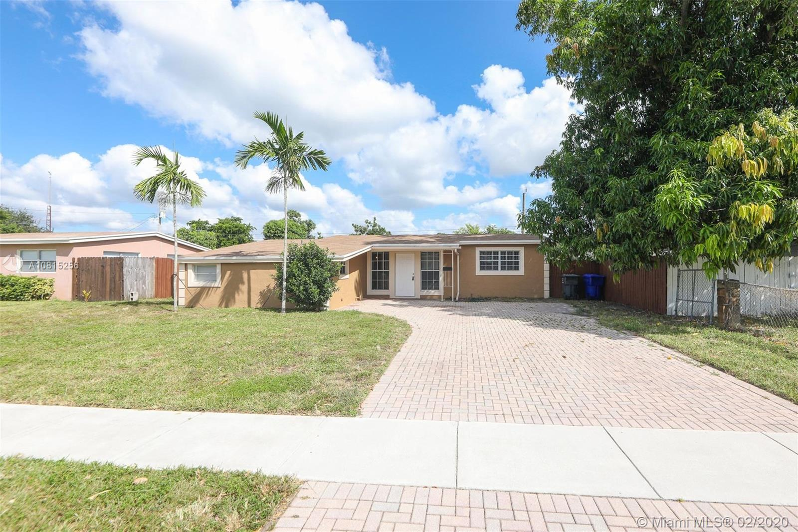 7071  Park St  For Sale A10815256, FL