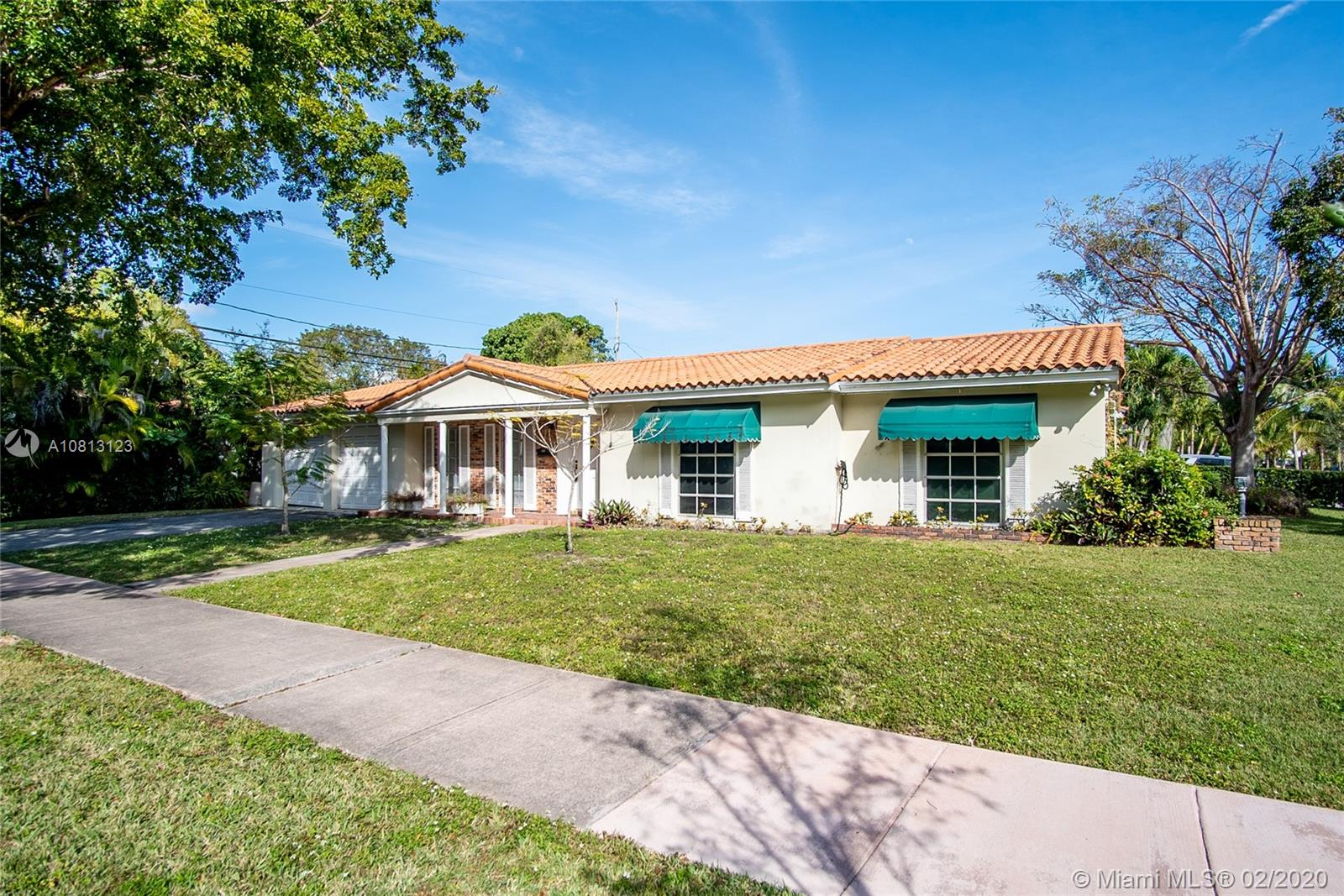 4951  Alhambra Cir  For Sale A10813123, FL