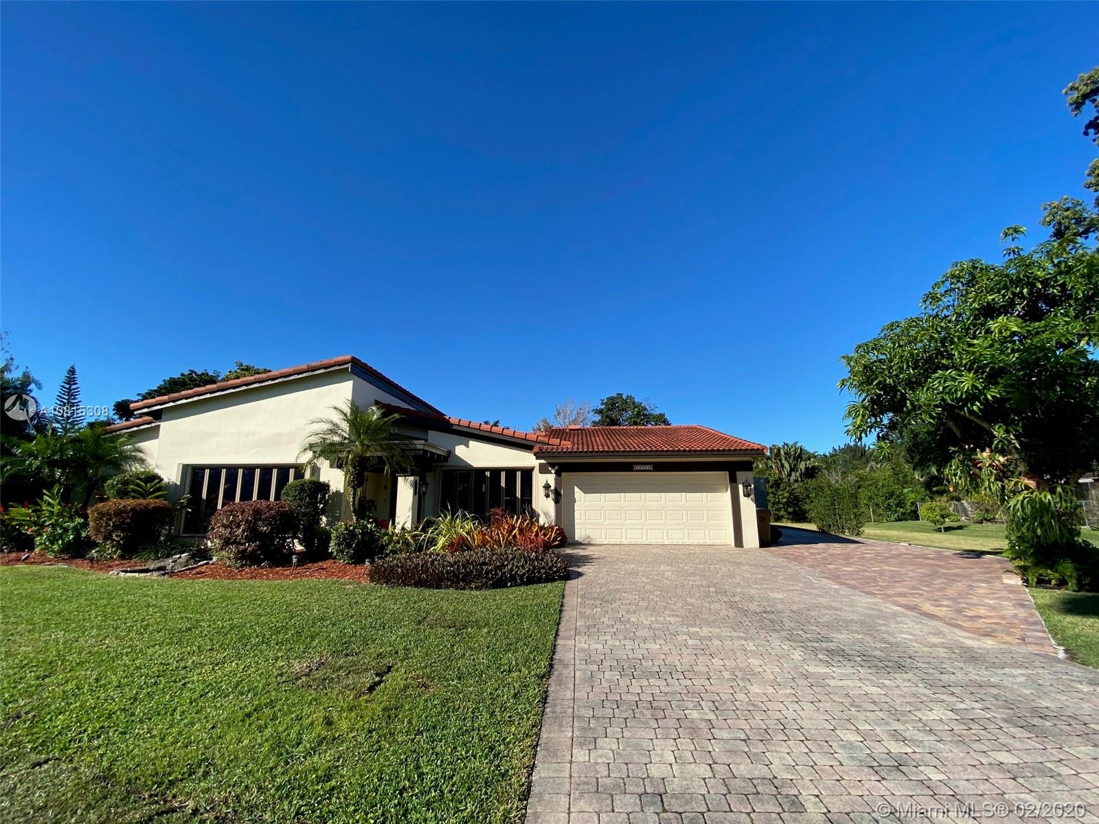 10951 SW 42nd Pl  For Sale A10815308, FL