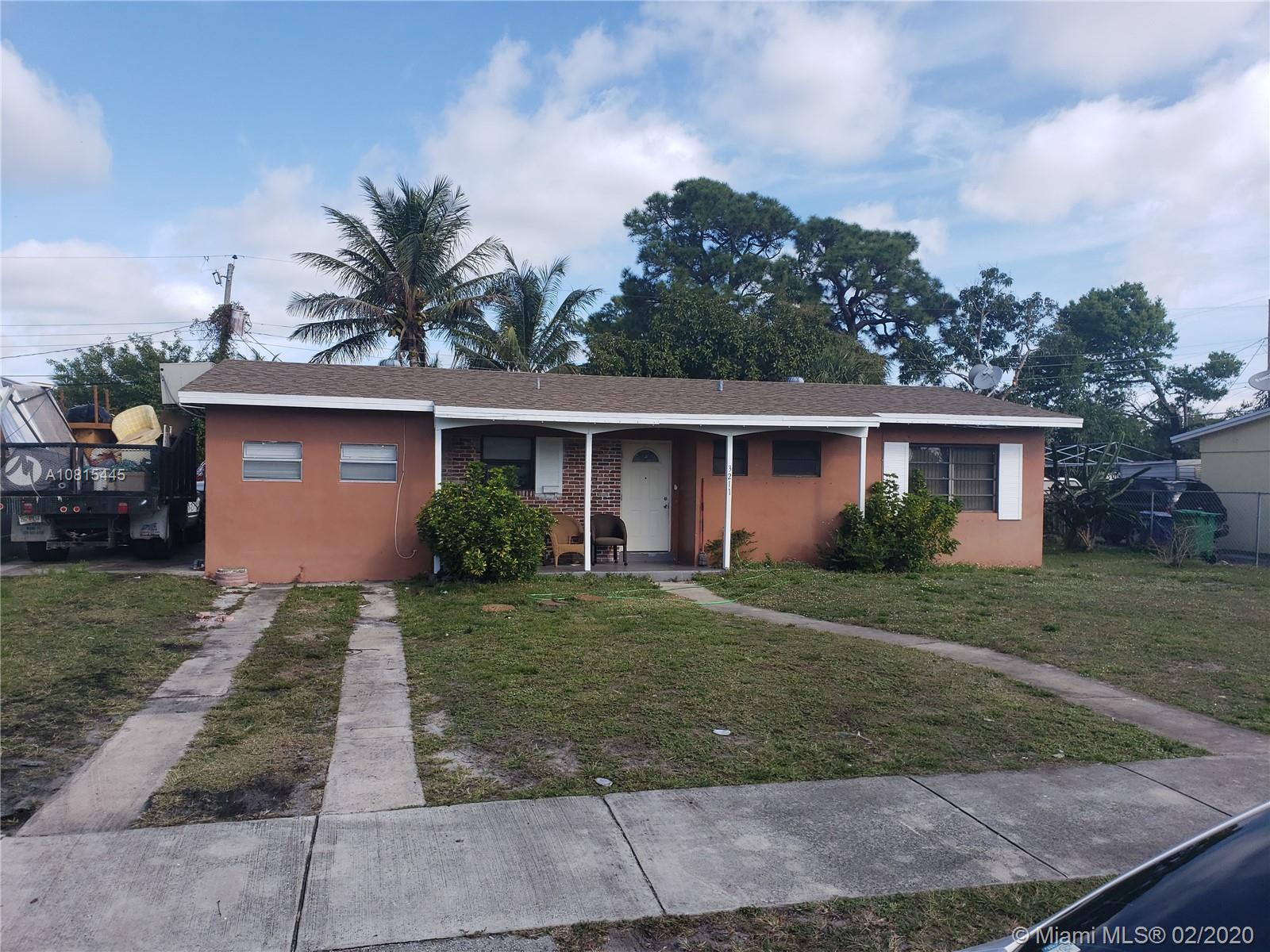 GREAT INVESTMENT OPPORTUNITY!!! Great Tenant. Reliable rent.Well maintained home,needs very little.DO NOT DISTURB TENANT...CALL LISTING AGENT FOR APPOINTMENT!!!!