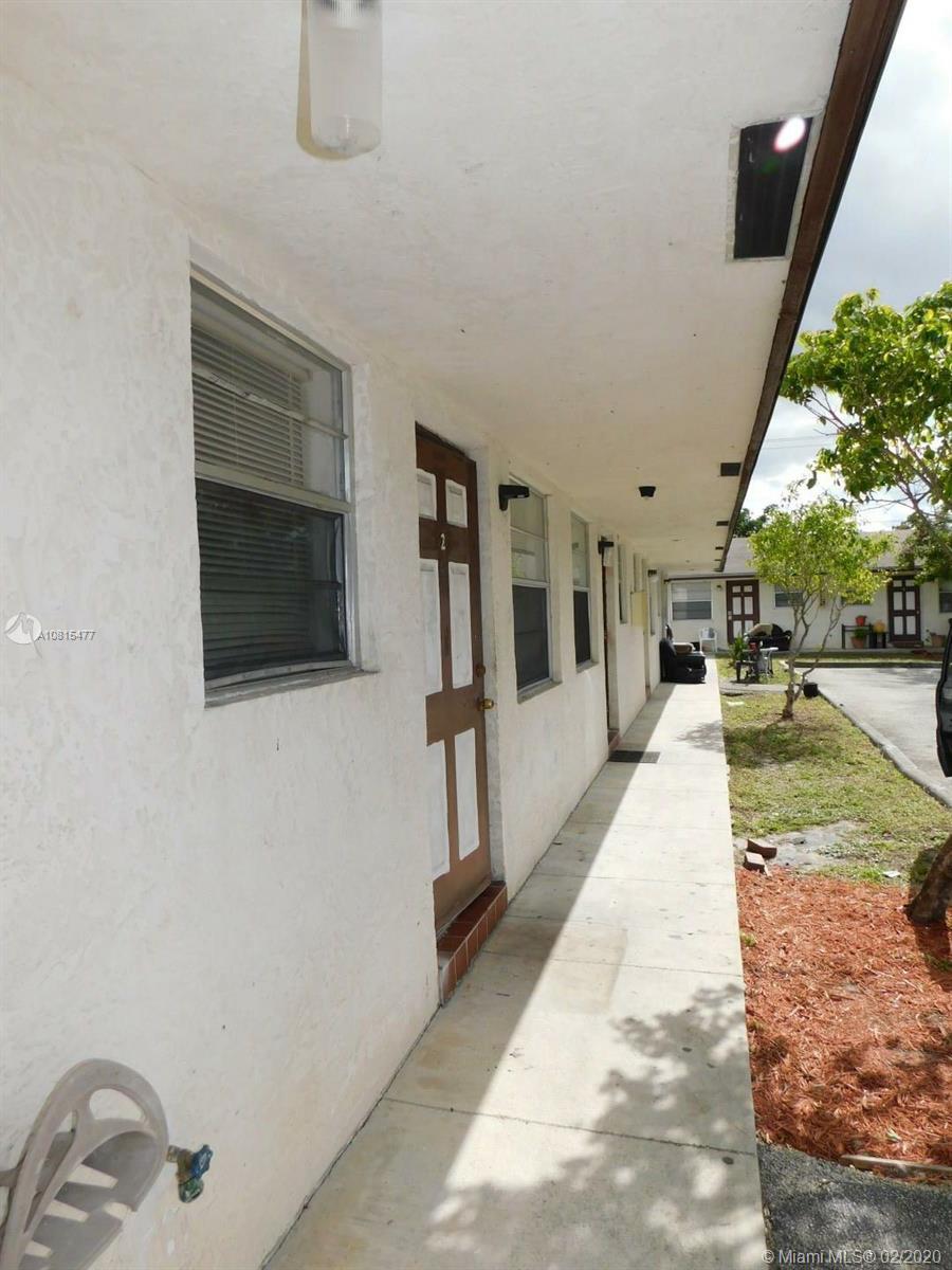2216  Johnson St #4 For Sale A10815477, FL