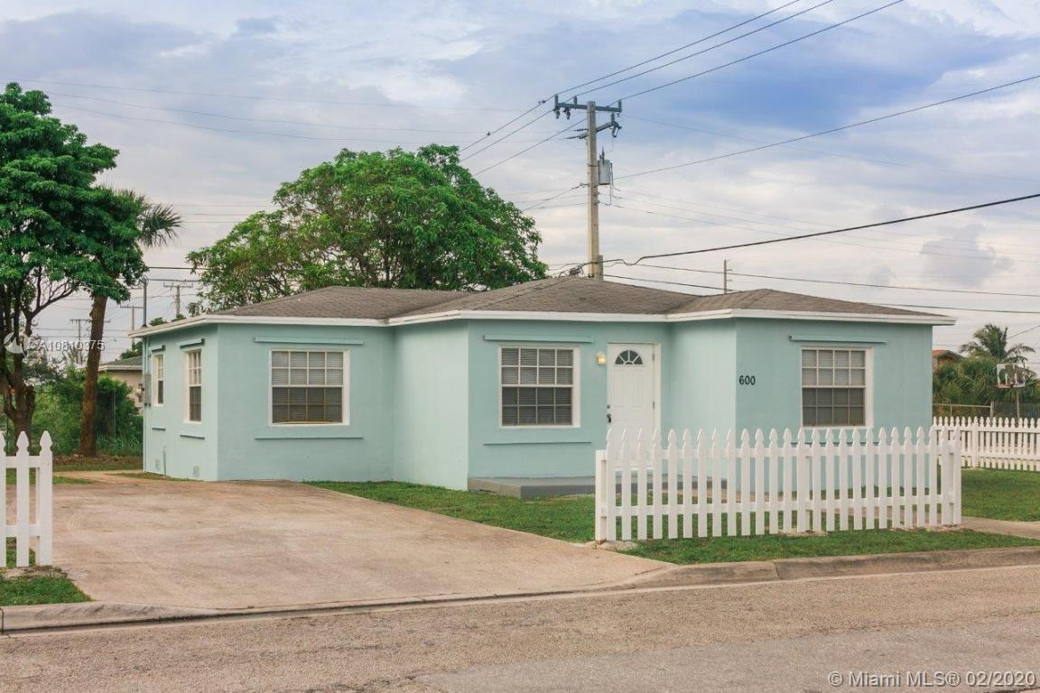 600 W 5th St  For Sale A10810375, FL