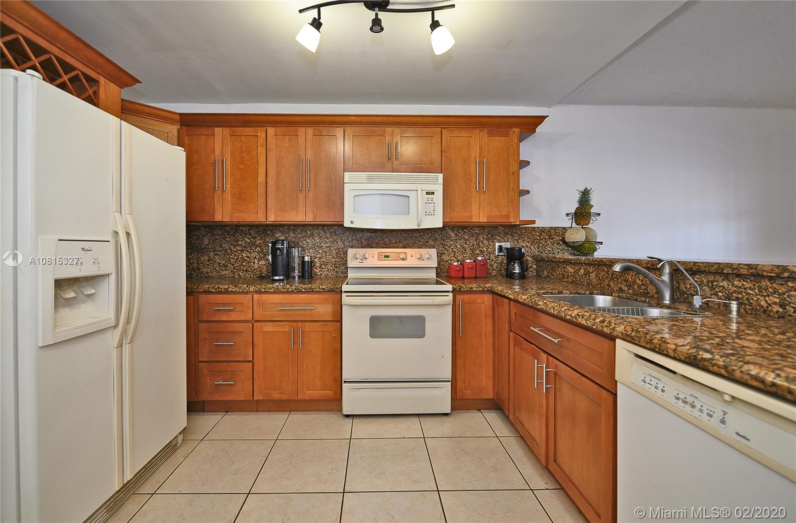 2483 W 65th St  For Sale A10815327, FL