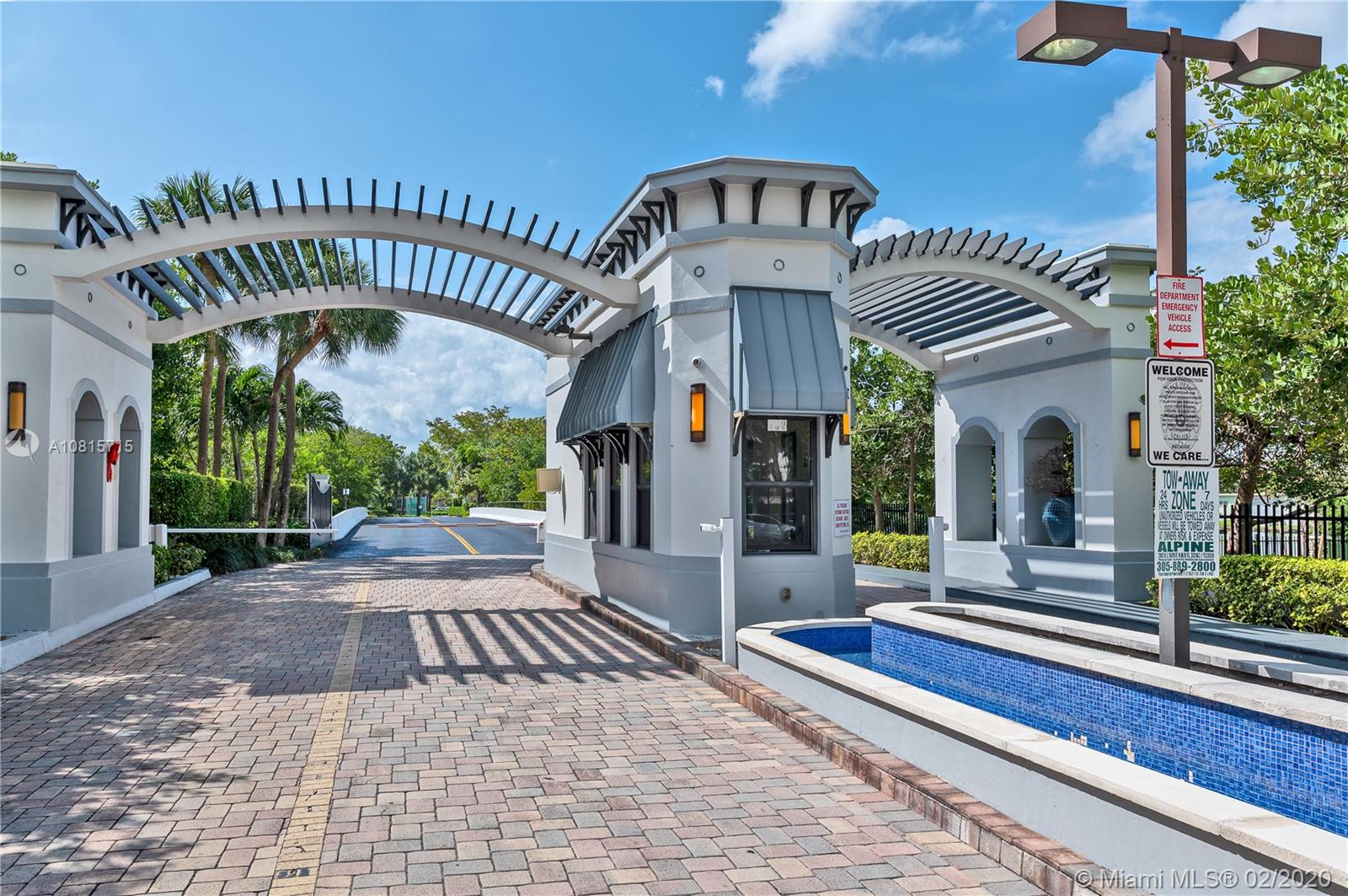 300  Poinciana Dr #702 For Sale A10815715, FL