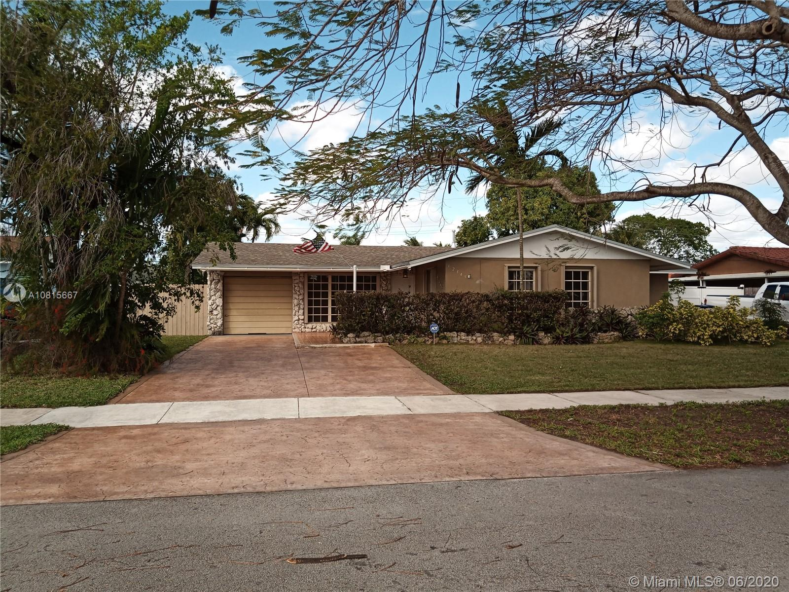 12345 SW 40th St  For Sale A10815667, FL