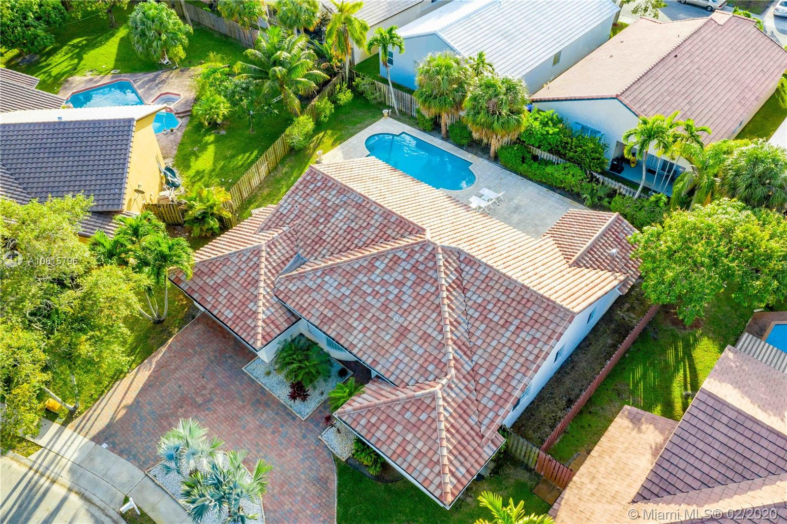 1480 SW 104th Ave, Pembroke Pines, FL 33025