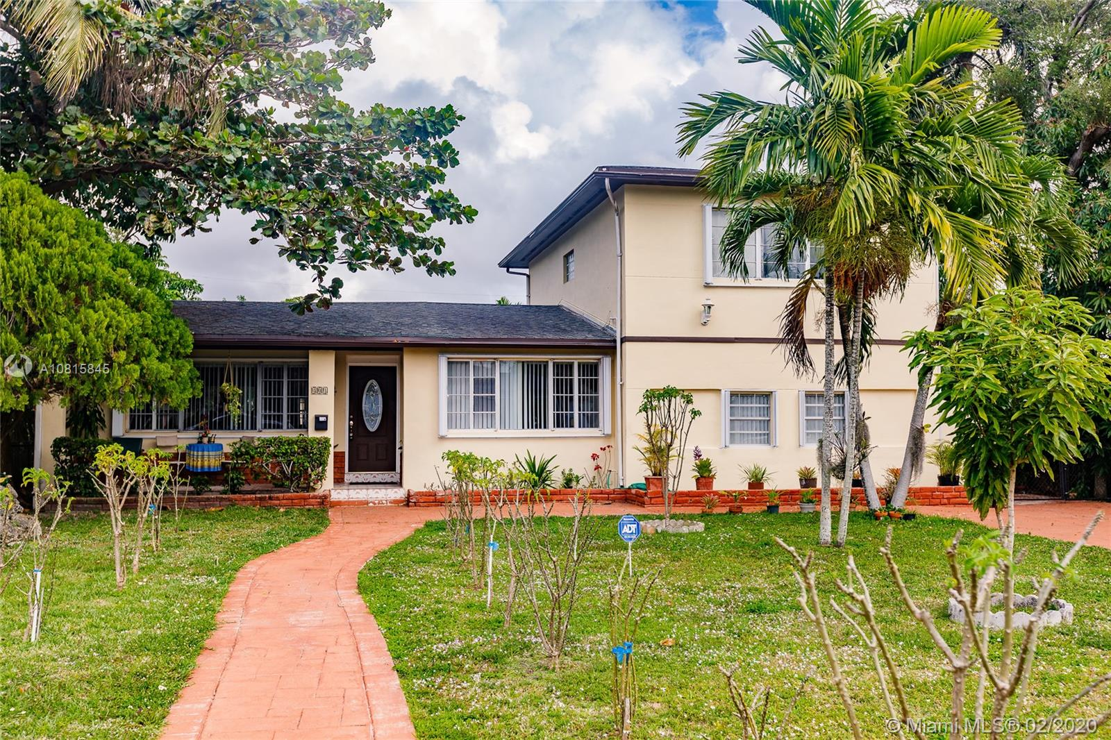 401 NW 153rd St  For Sale A10815845, FL