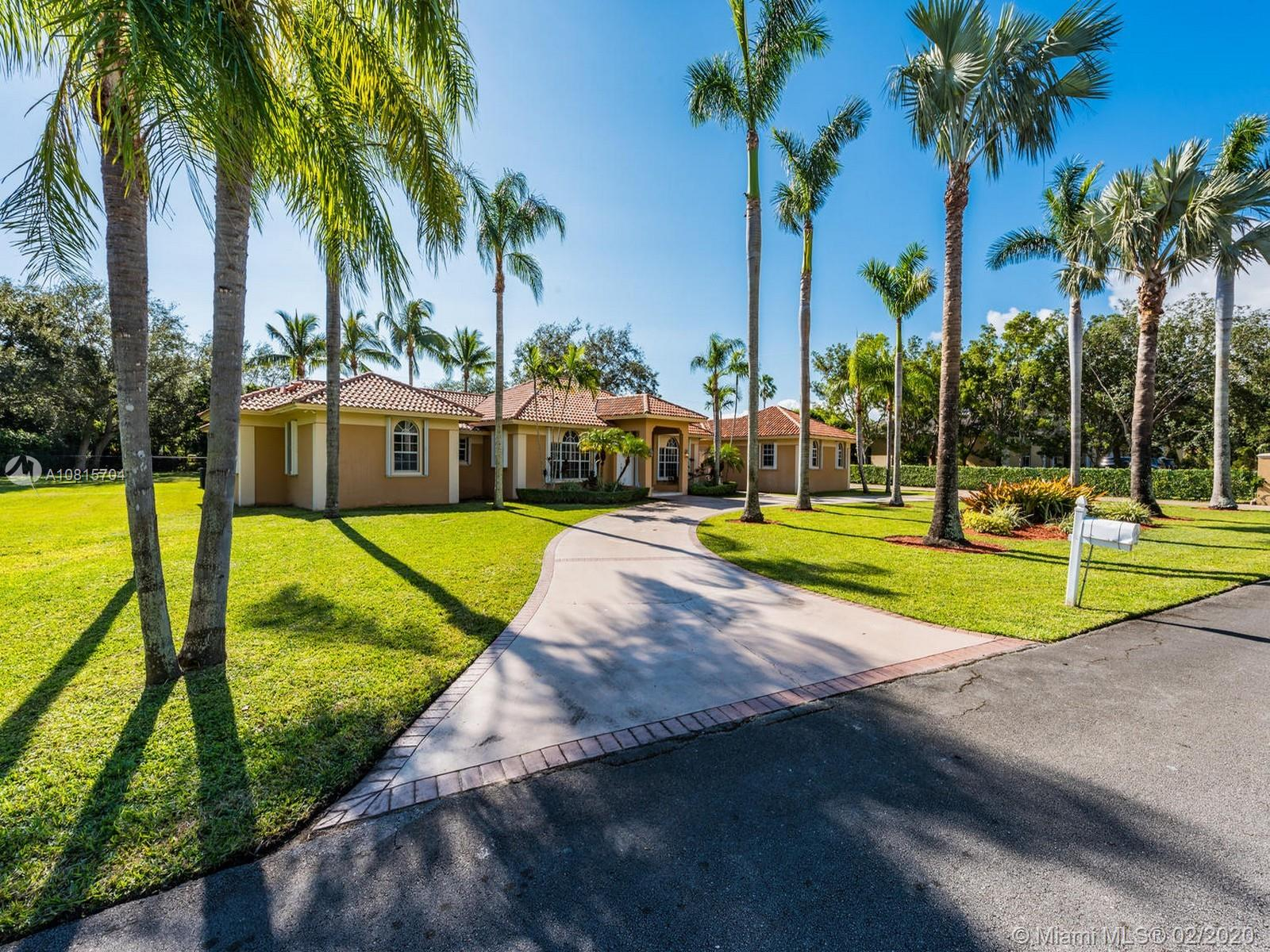 5846 SW 107th St  For Sale A10815704, FL