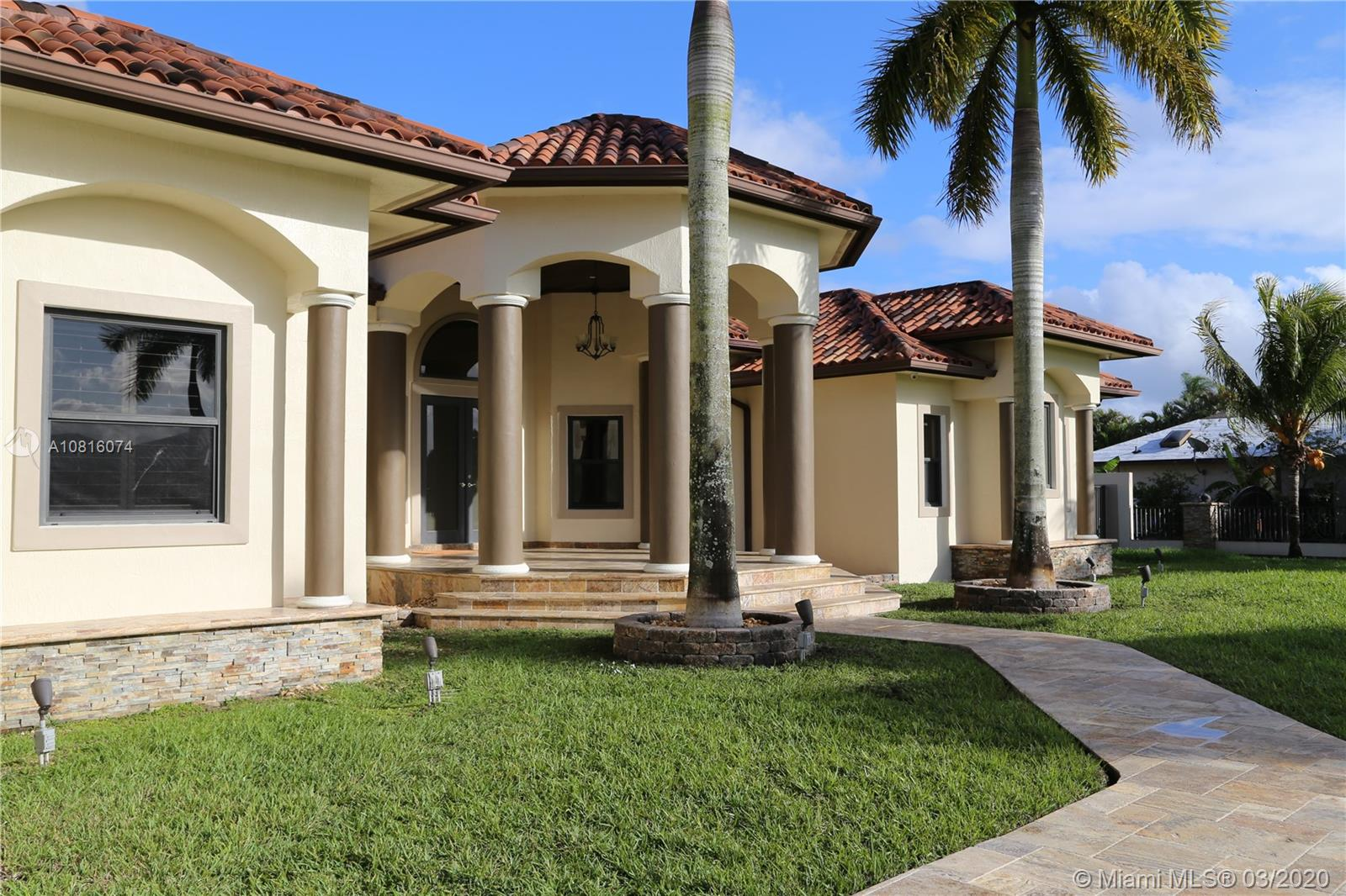 3551 SW 141st Ave  For Sale A10816074, FL