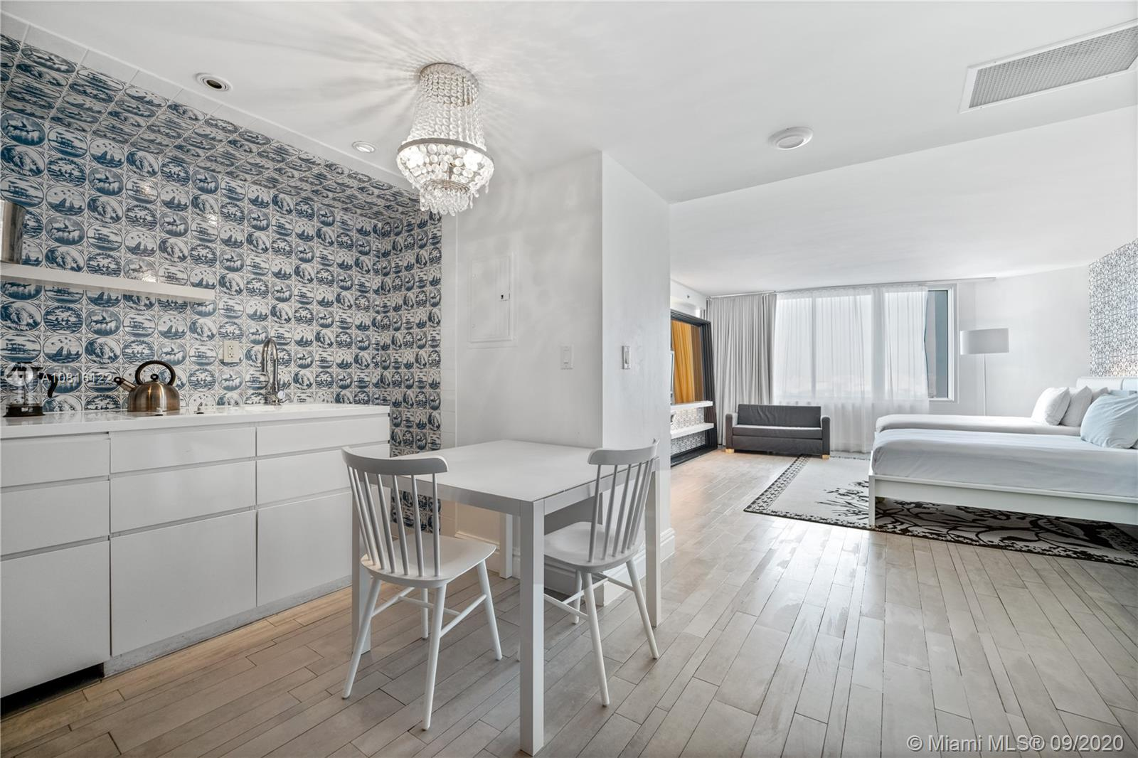 One of Miami's most trendy, 5-star condo-hotels. Owner an income producing property to offset your expenses. Live, rent or do both. Unit currently managed by on-site approved third party management company (NOT IN HOTEL PROGRAM). Unit has upgraded furniture 2018/2019 Assessments paid!