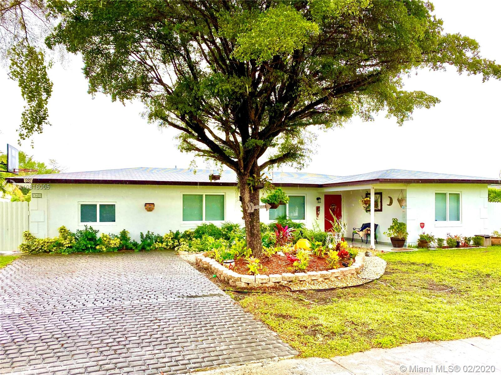 13455 SW 71st St  For Sale A10816005, FL