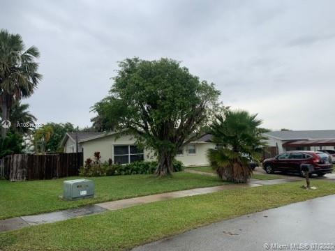 8951 SW 182nd Ter  For Sale A10816185, FL