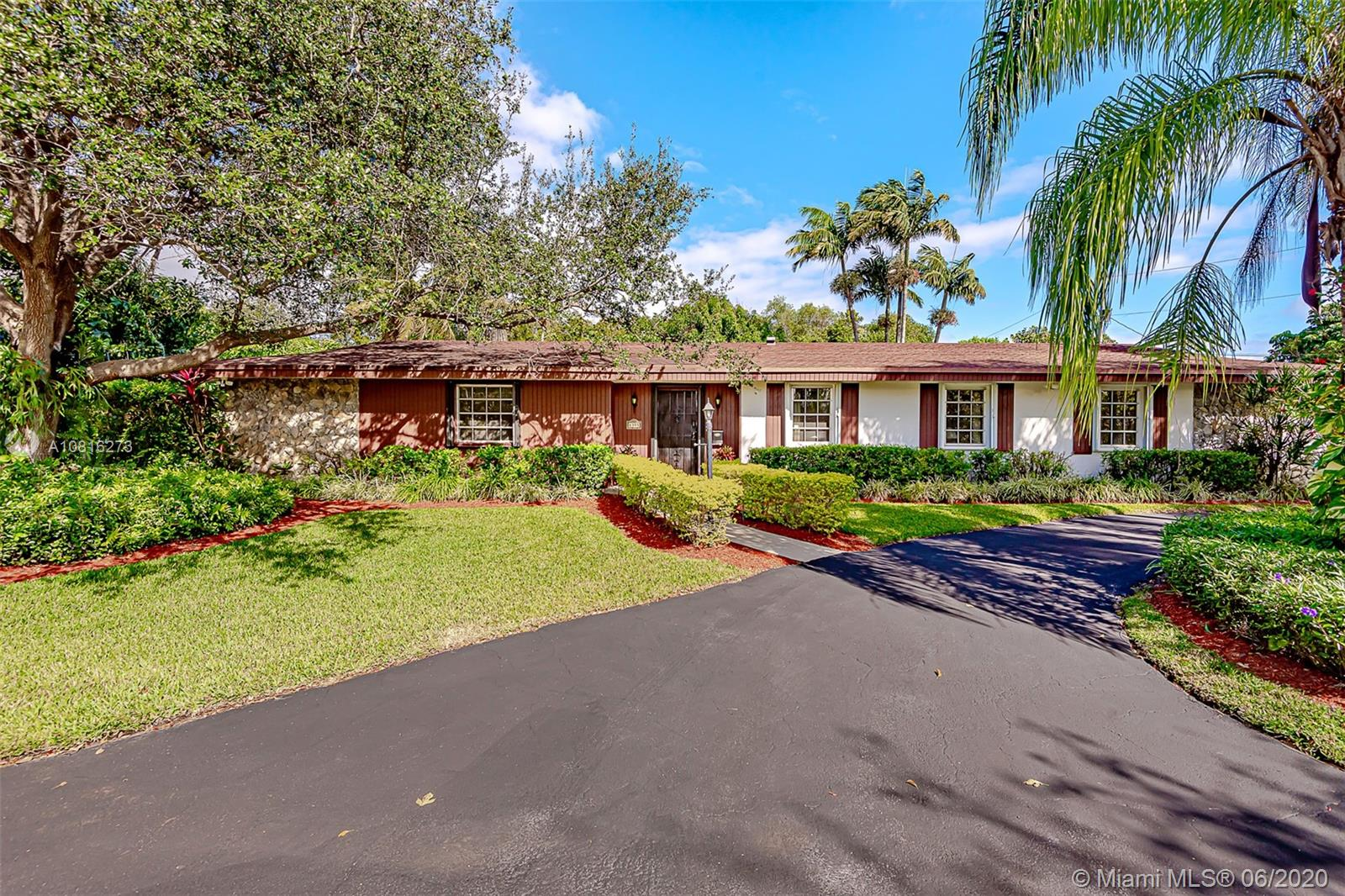 8395 SW 135th St  For Sale A10816273, FL