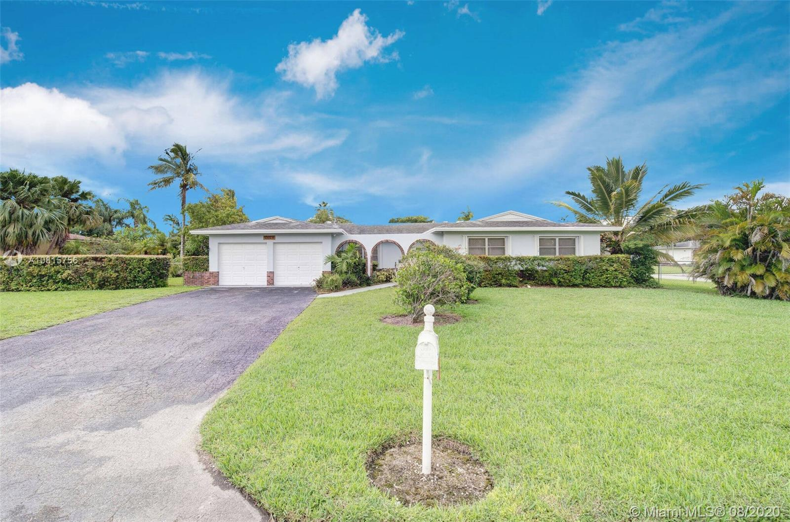 13025 SW 113th Ct  For Sale A10815756, FL
