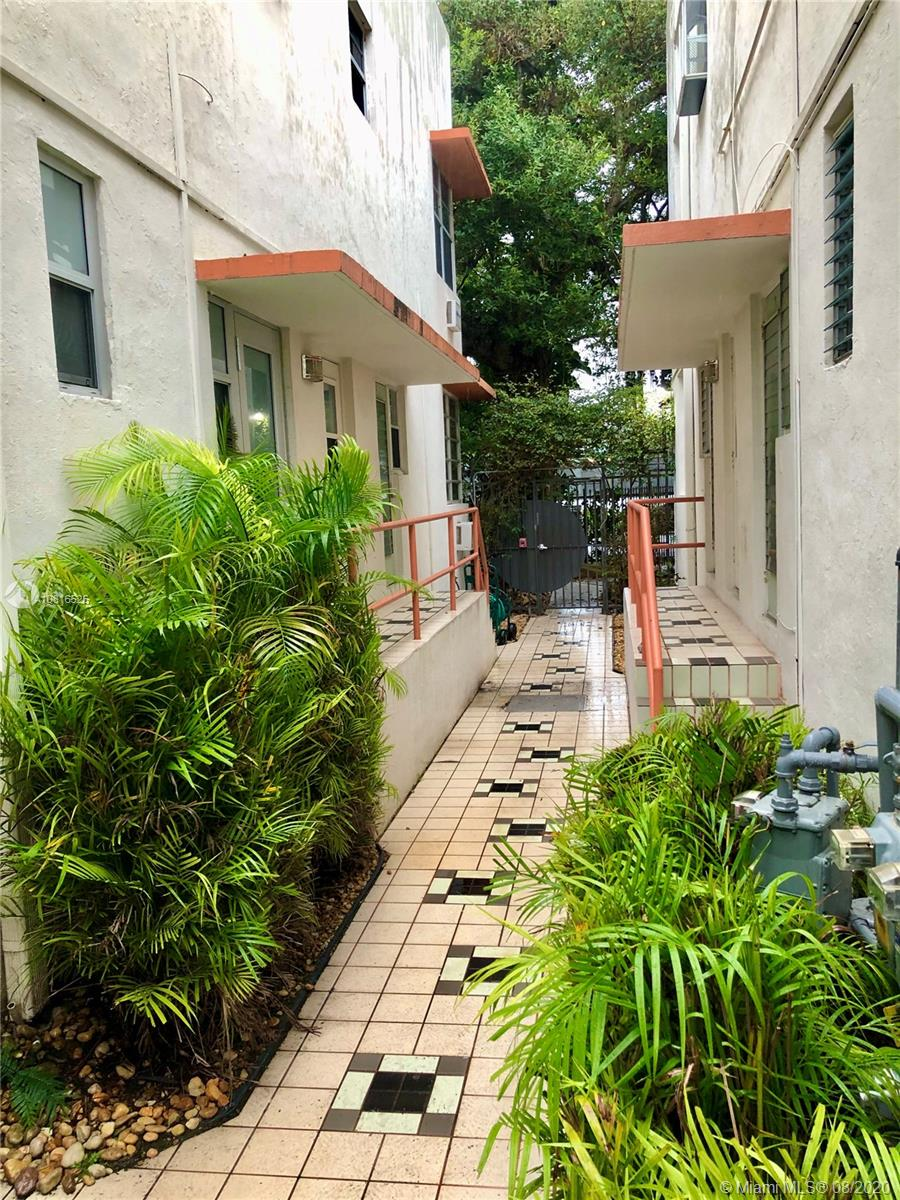 736  12th St #5 For Sale A10816526, FL