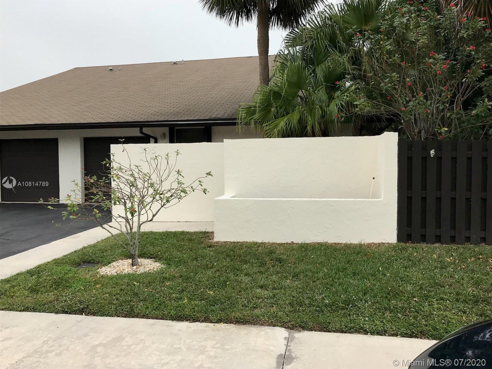 305 SW 28th Ave 305, Delray Beach, FL 33445