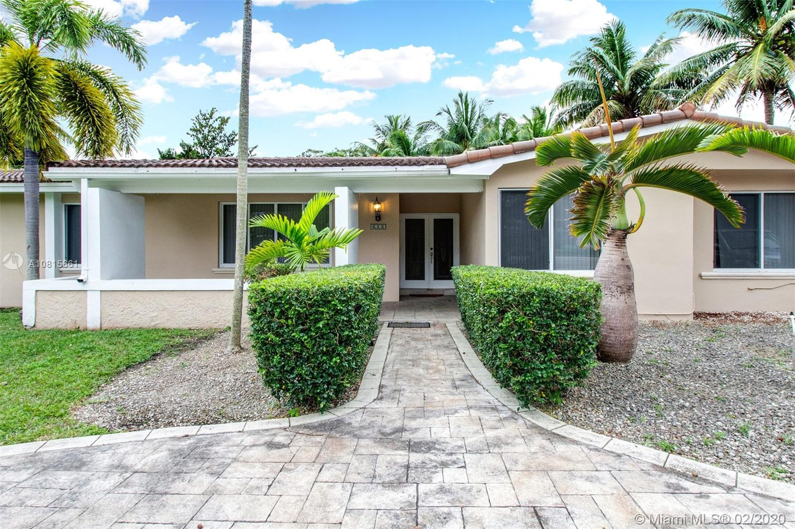 8220 SW 152nd St  For Sale A10815661, FL