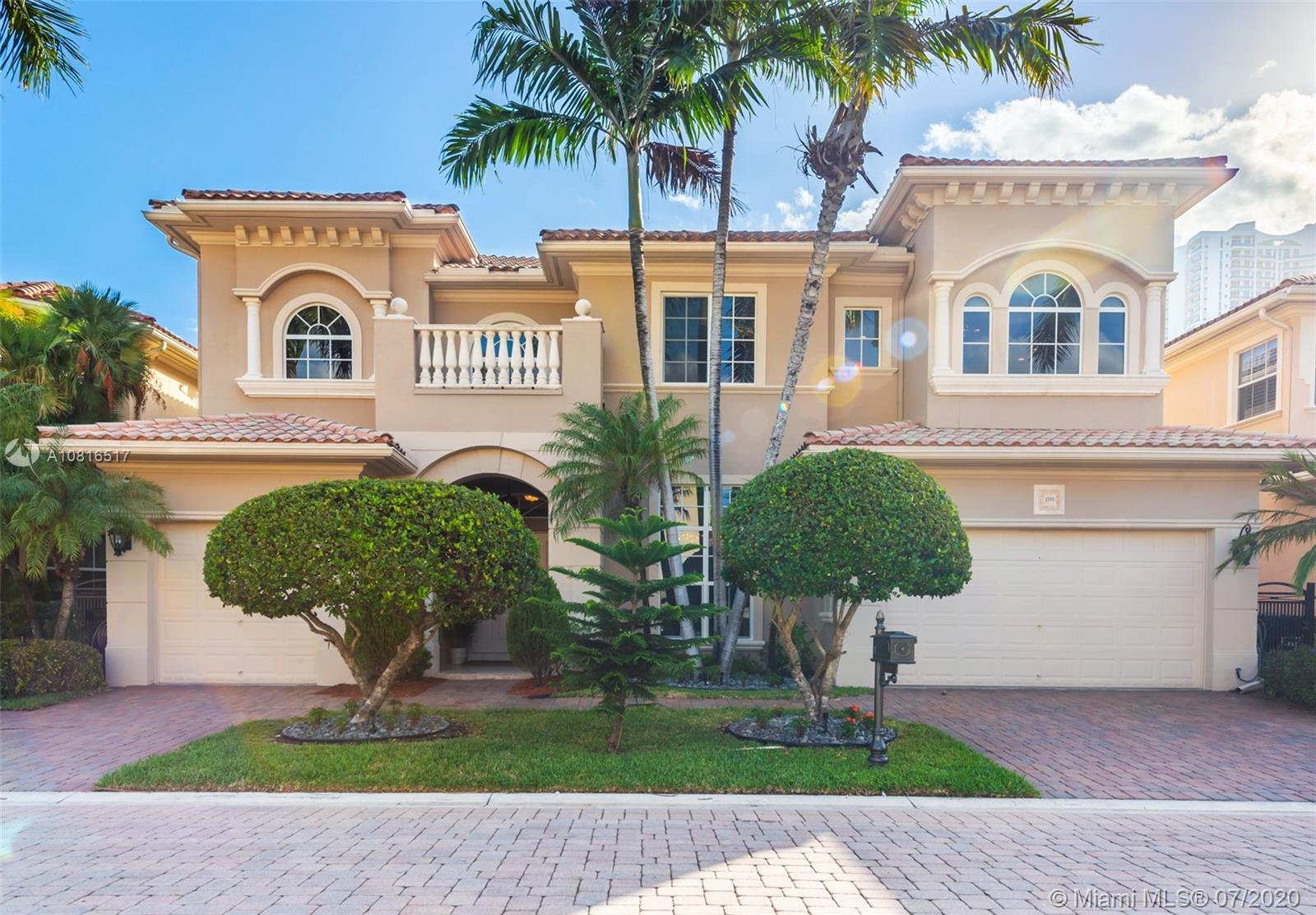 1555  Windjammer Way  For Sale A10816517, FL