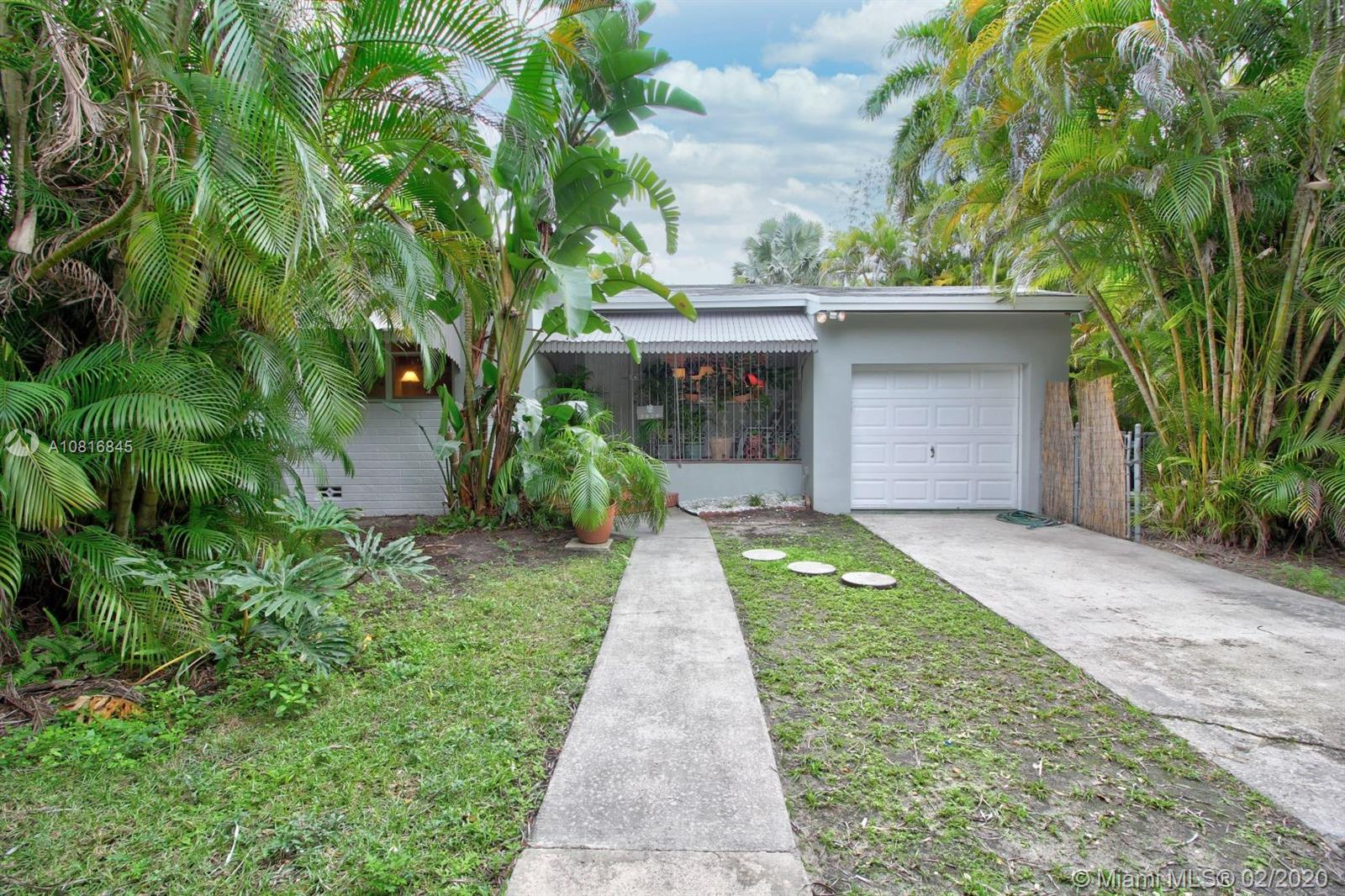 5424 SW 57th Ave  For Sale A10816845, FL