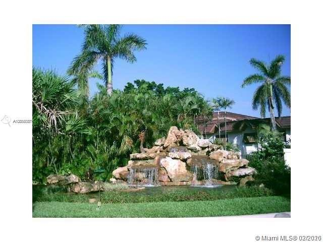 9354 SW 77th Ave #I8 For Sale A10816081, FL