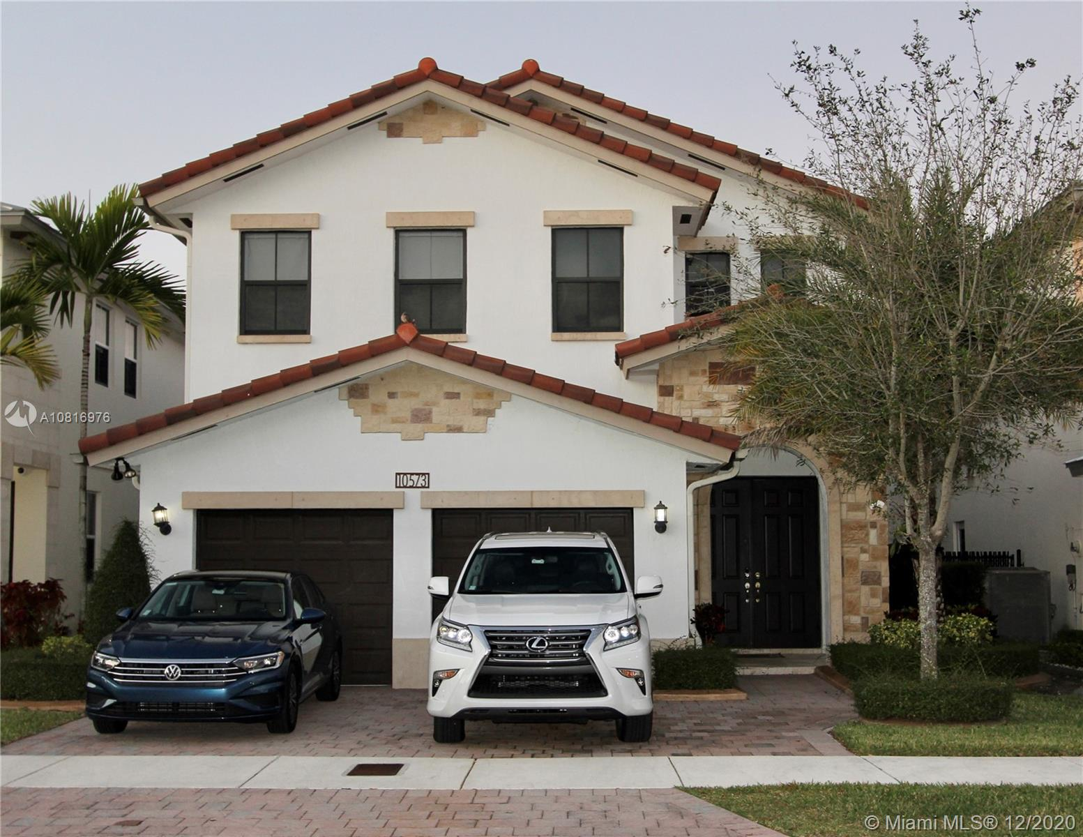 10573 NW 70th Ln  For Sale A10816976, FL