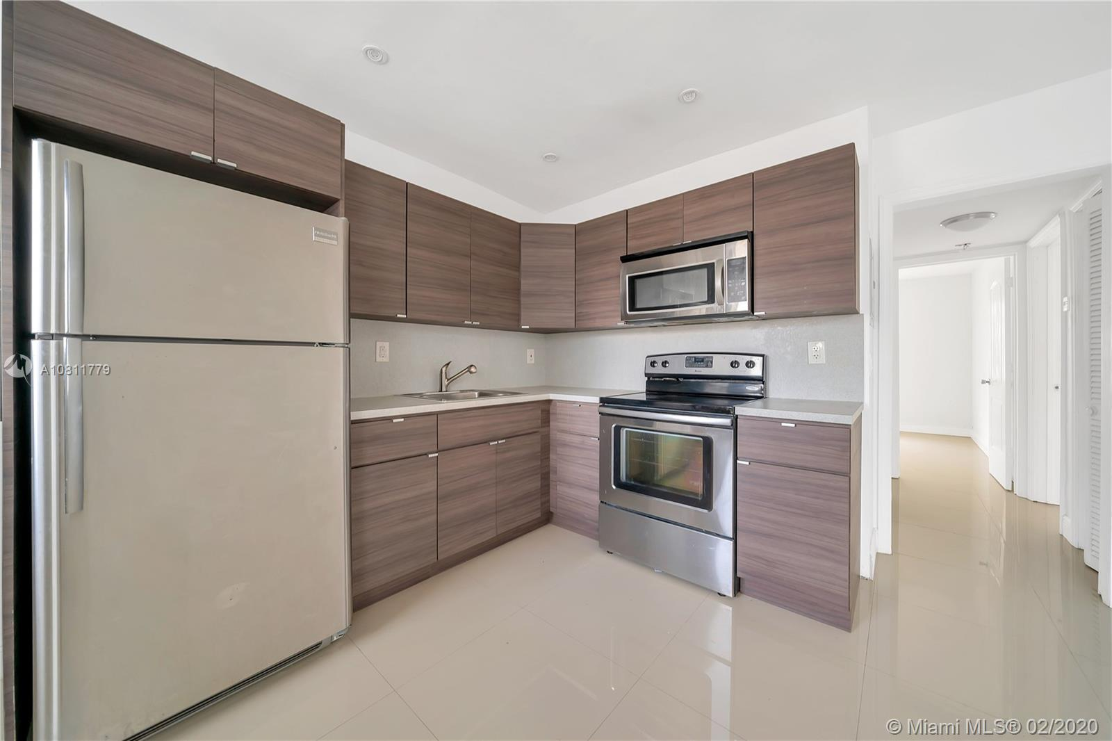 552 NE 61st St #2 For Sale A10811779, FL