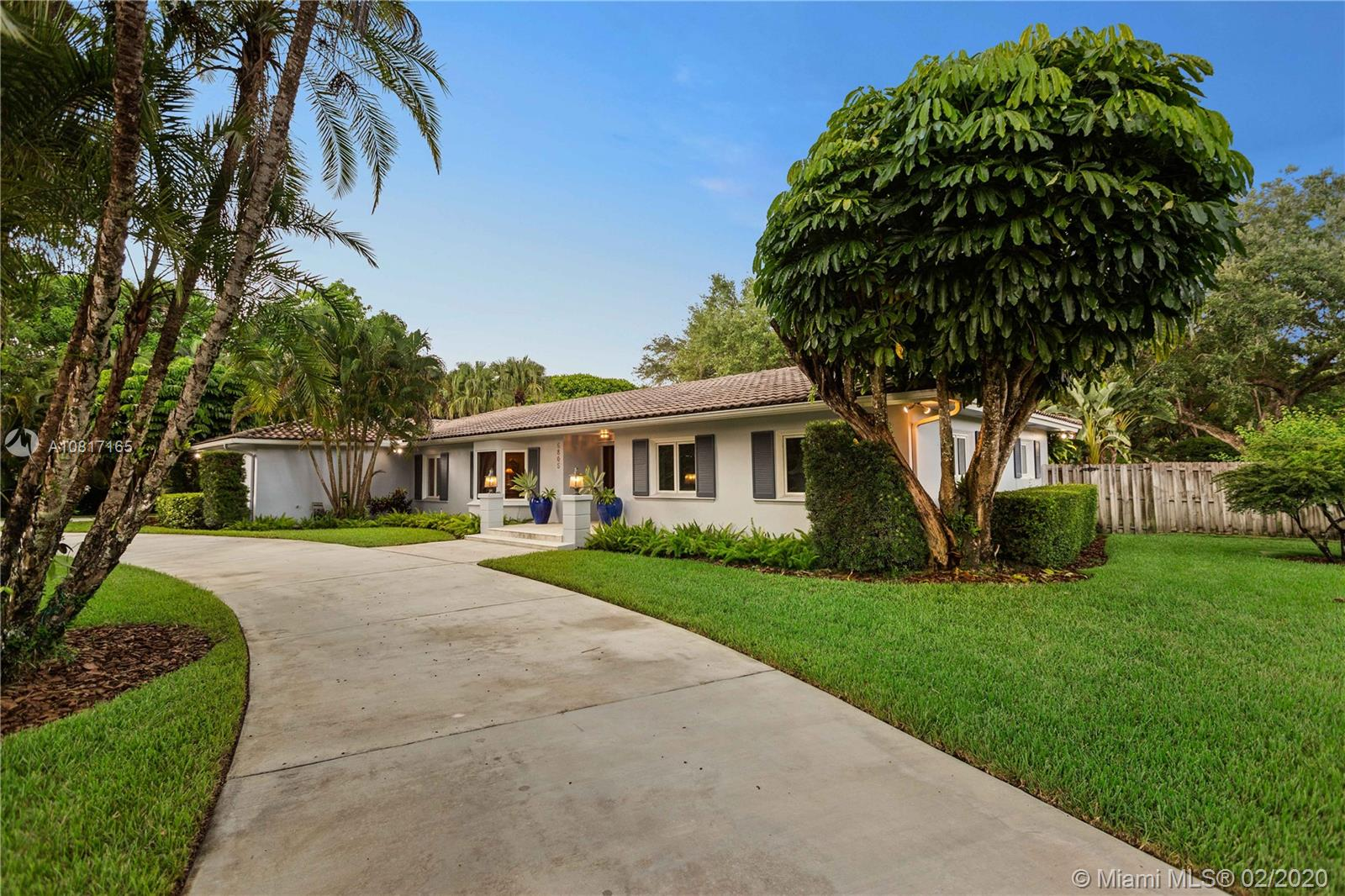 6805 SW 98th St  For Sale A10817165, FL