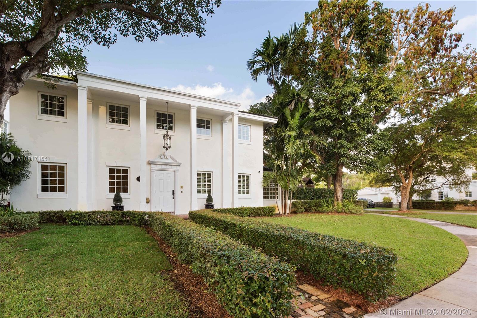 901  University Dr  For Sale A10817454, FL