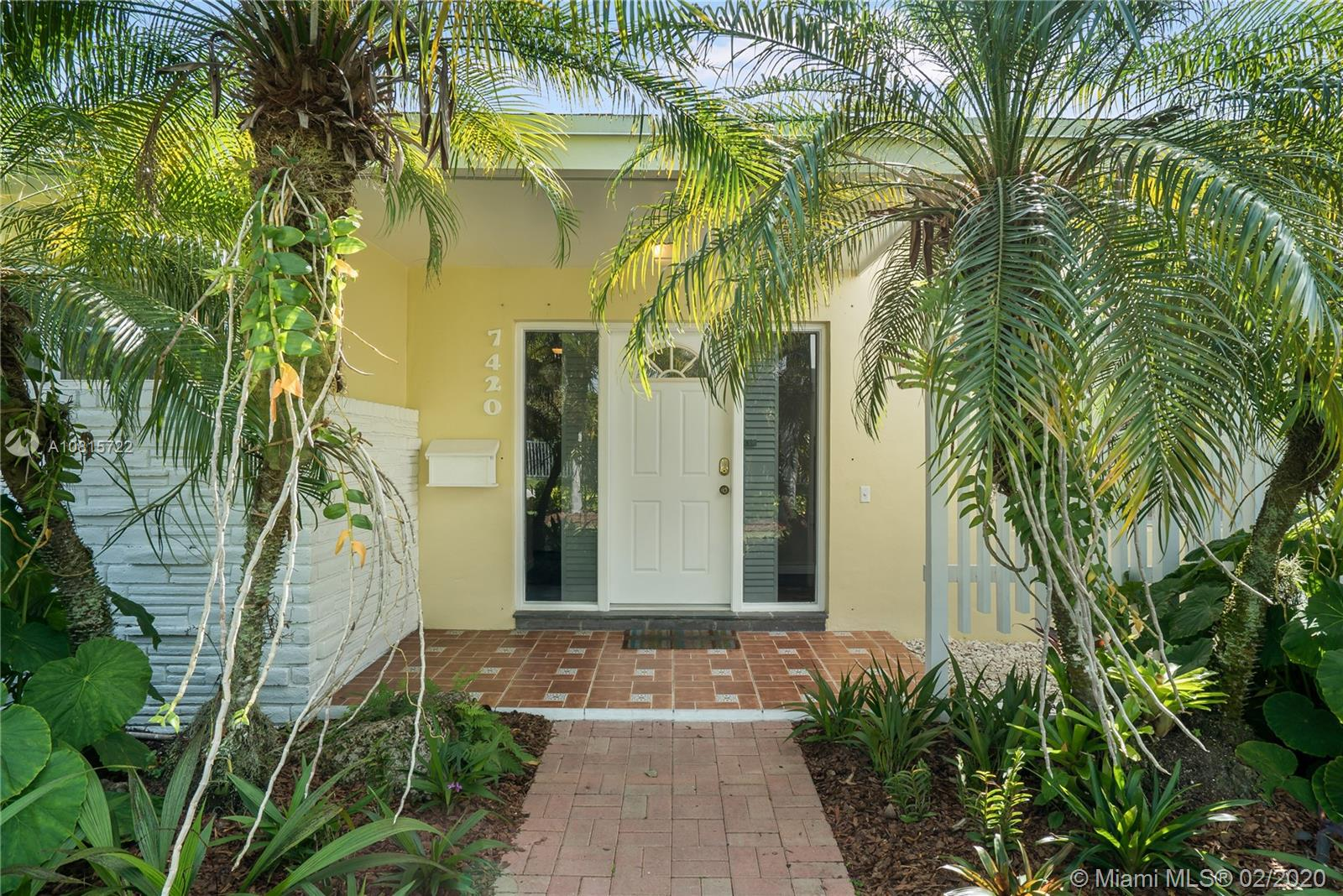 7420 SW 130th St  For Sale A10815722, FL