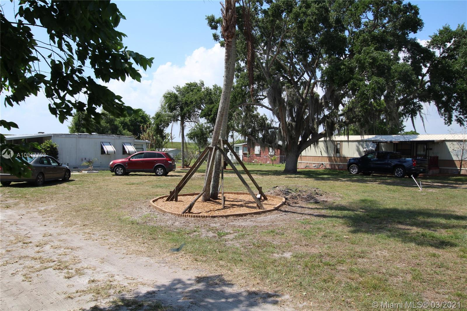 5130 SE US Hwy 441  For Sale A10817703, FL