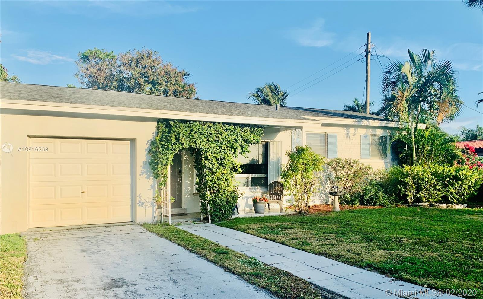 1115 NE 16th Ave  For Sale A10816238, FL